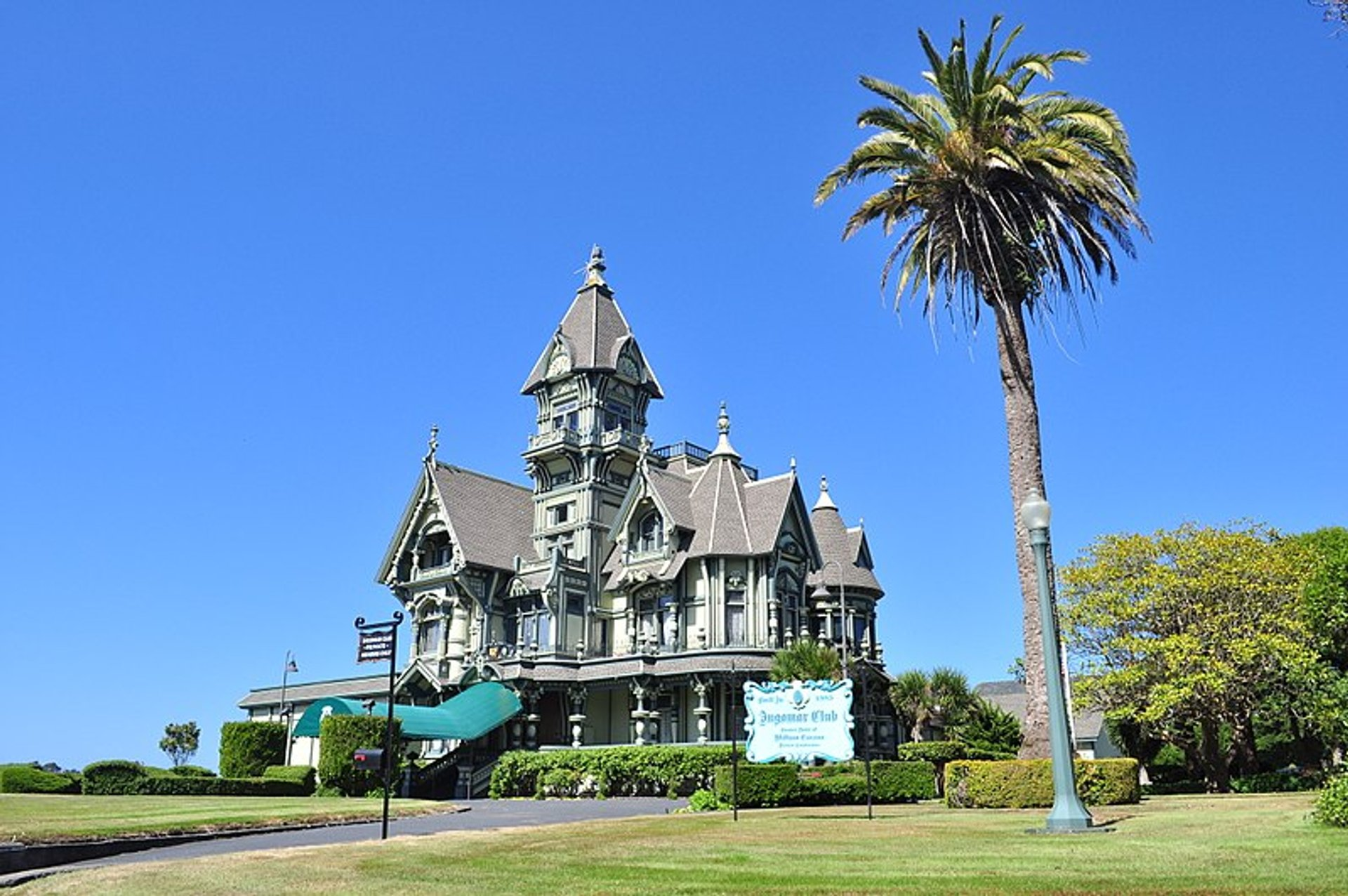 Carson Mansion in California - Best Season 2020
