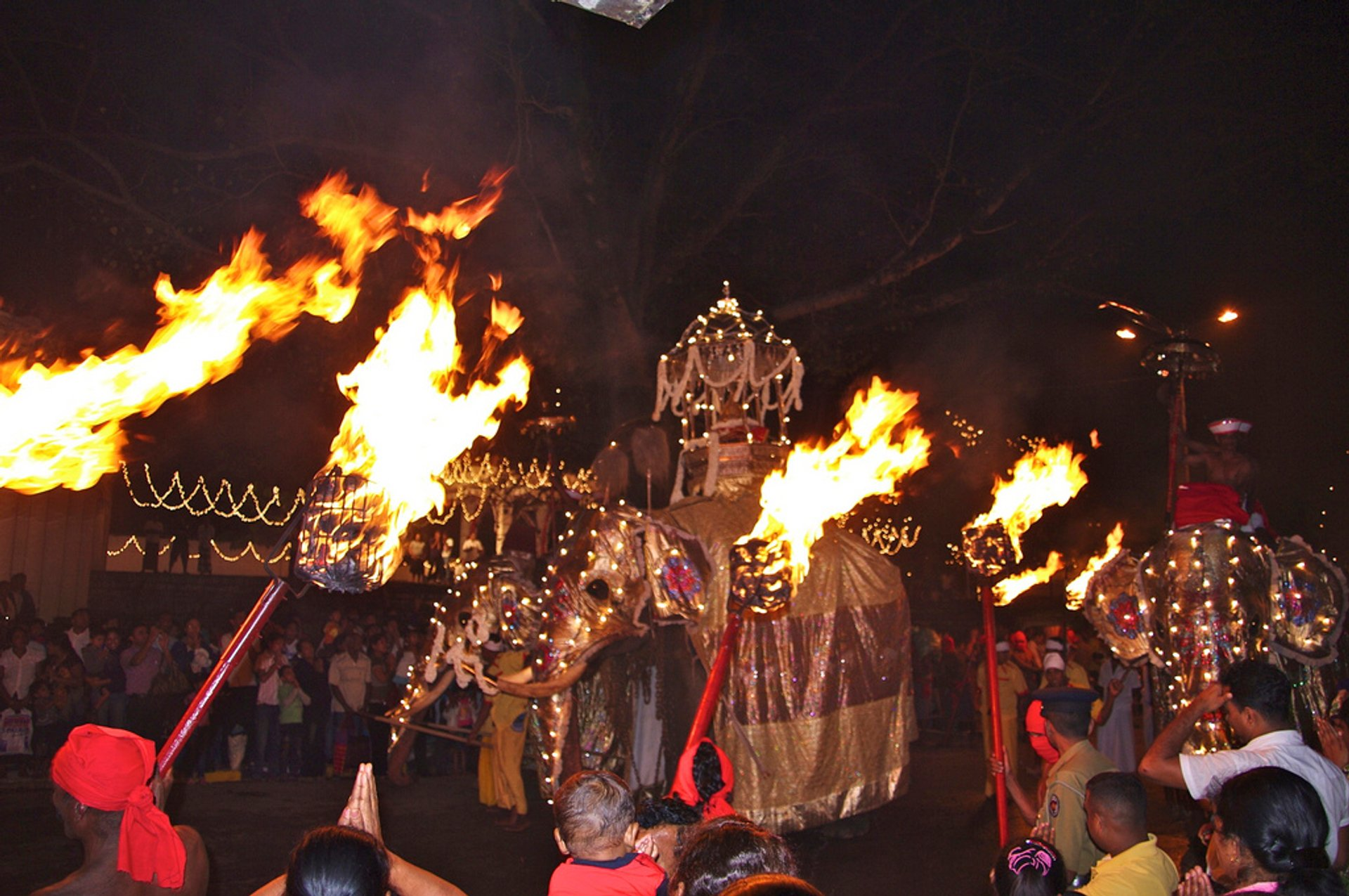 Best time for Kandy Esala Perahera in Sri Lanka 2019