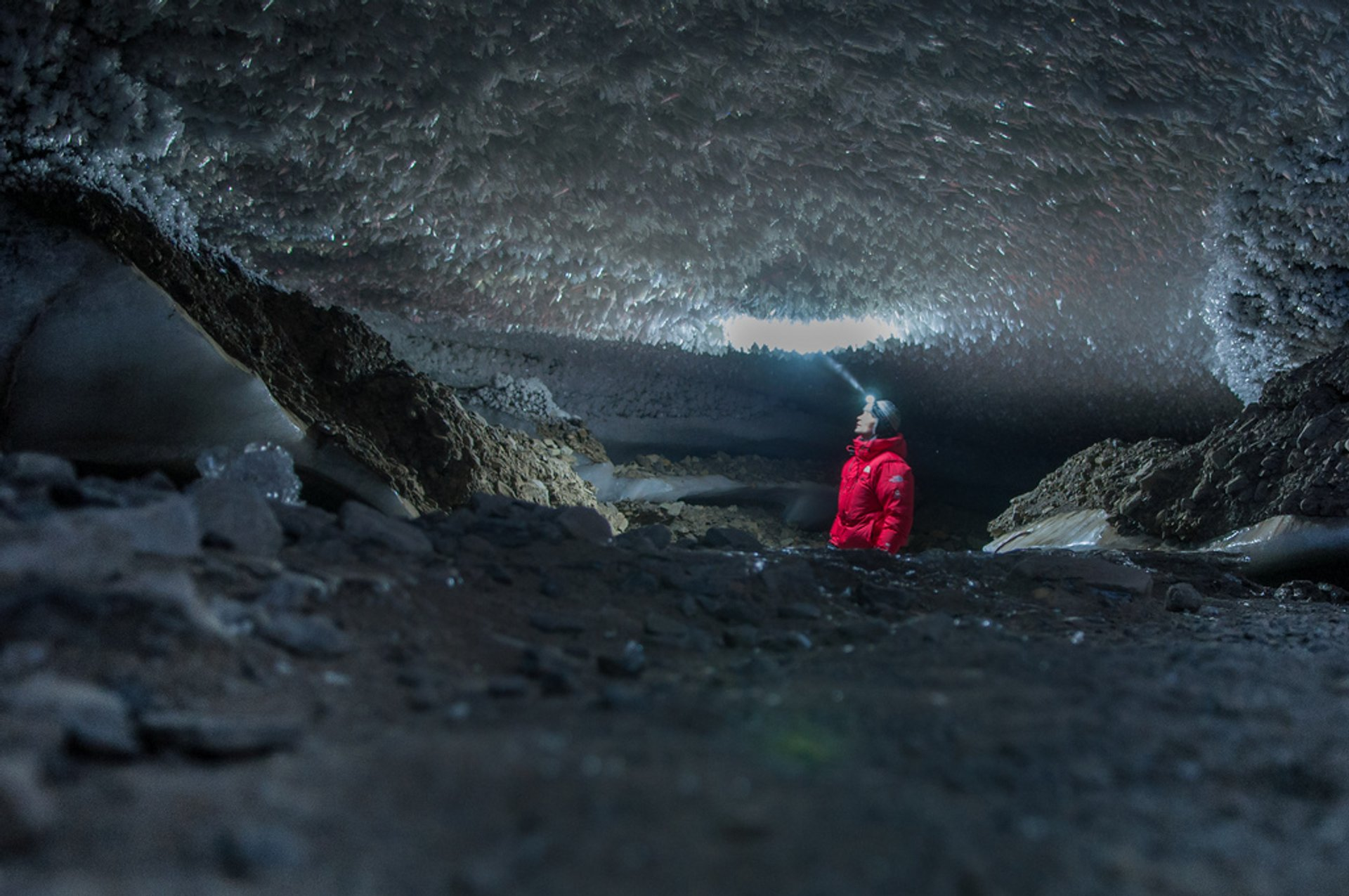 Ice Caving in Svalbard 2020 - Best Time