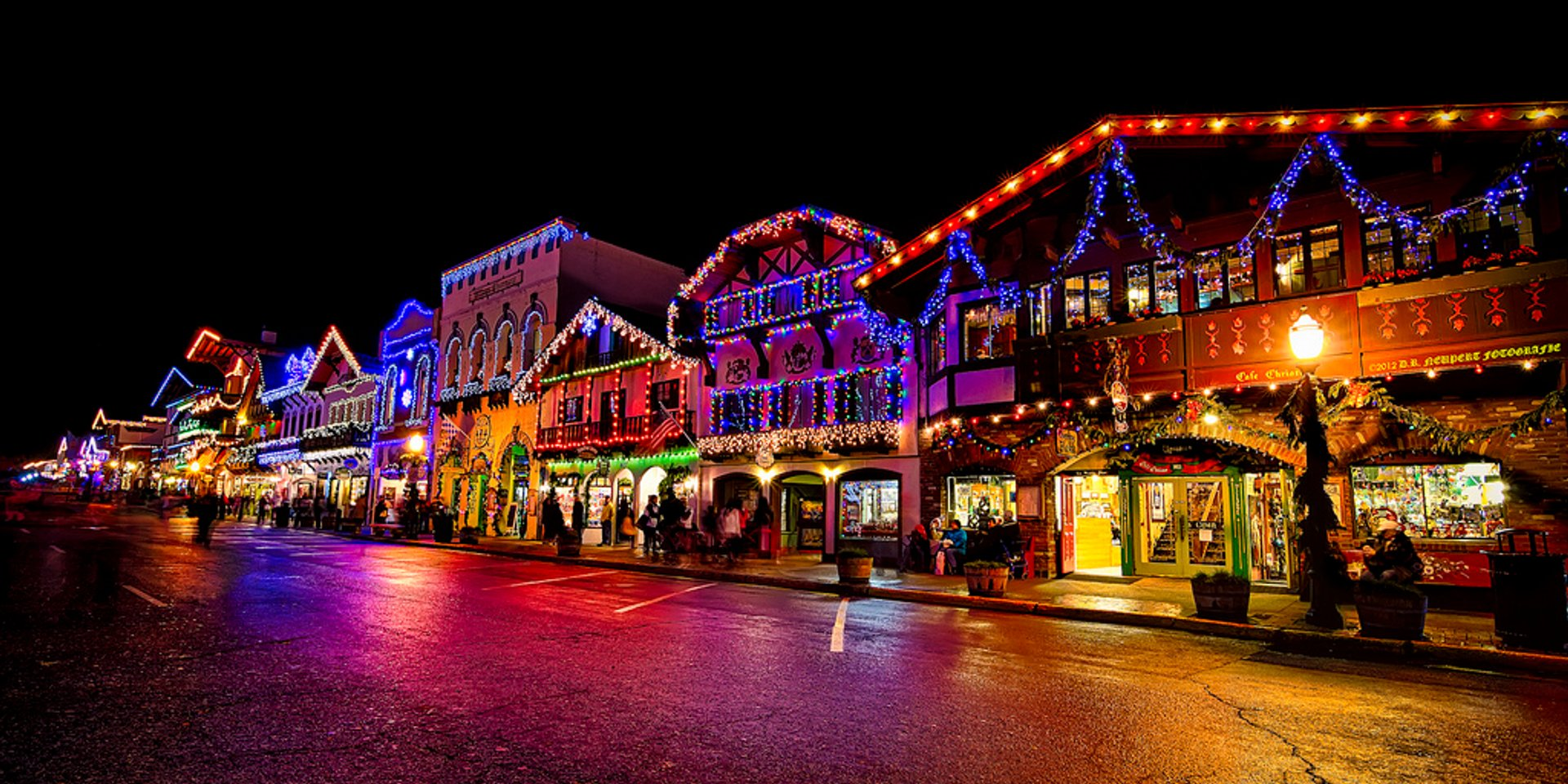 Best time to see Leavenworth Christmas Lighting Festival 2019