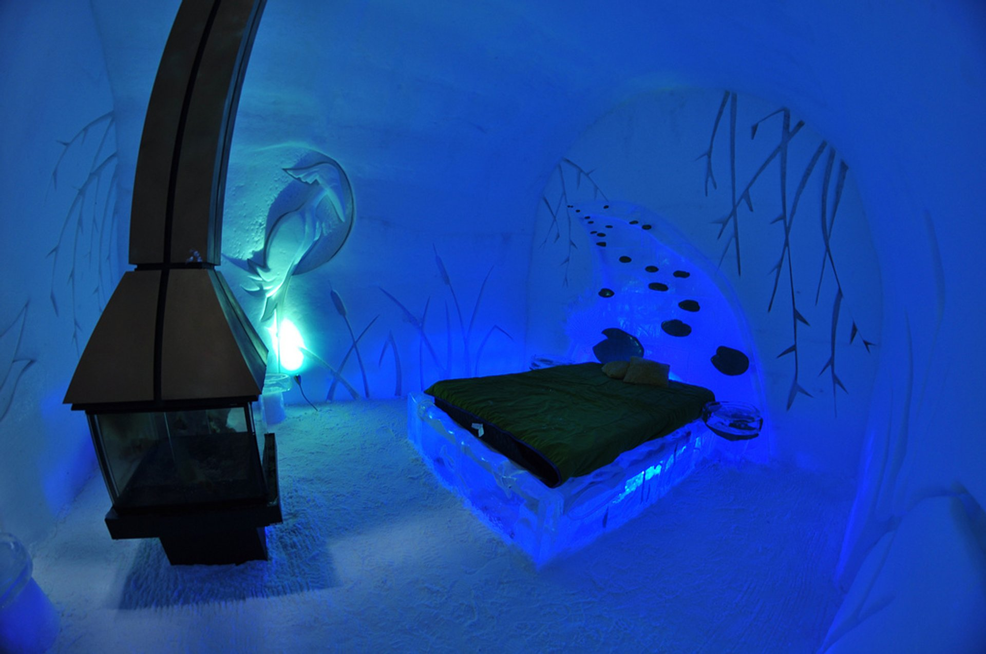 Hôtel de Glace (Ice Hotel) in Quebec - Best Season 2020