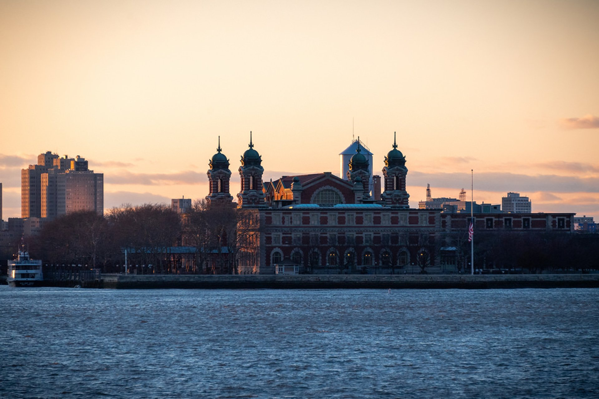 Best time for Ellis Island in New York 2020