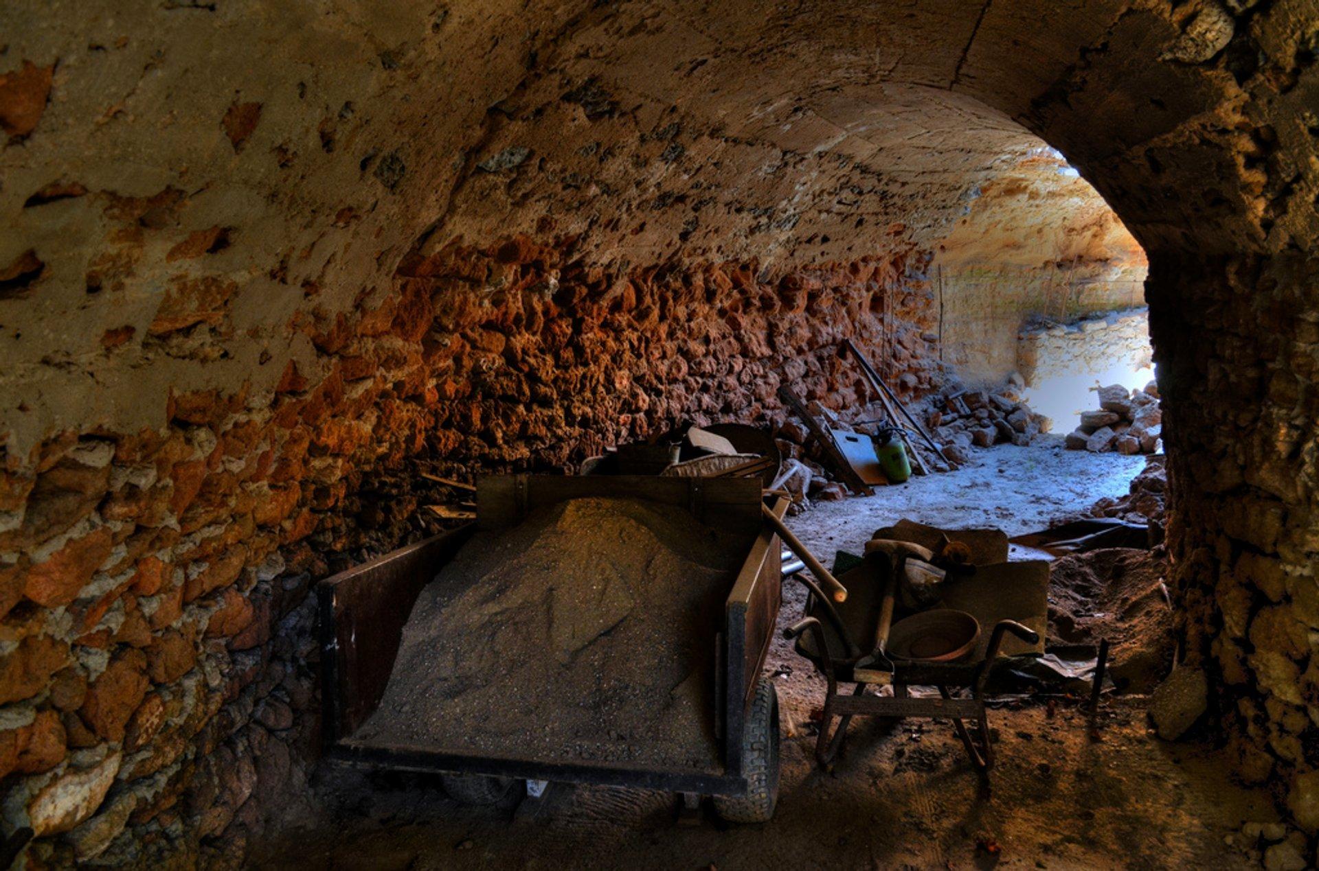 Repairing a hand-dug tunnel 2019