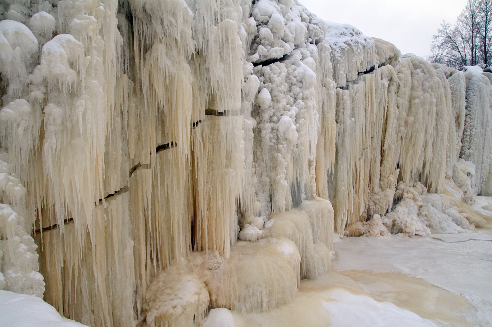 Frozen Waterfalls in Estonia - Best Season 2020
