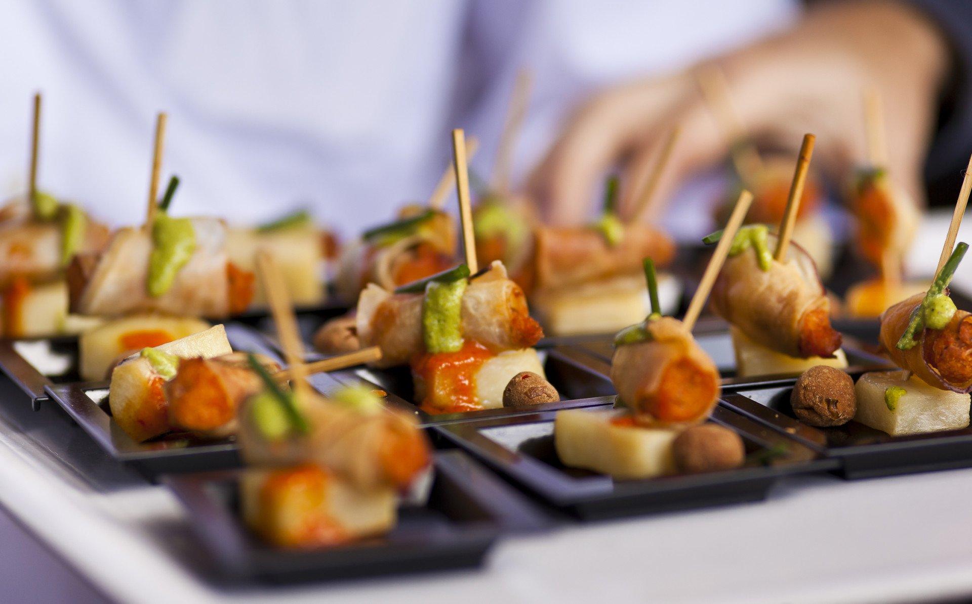 Crispy potatoes with gofio sauce 2020