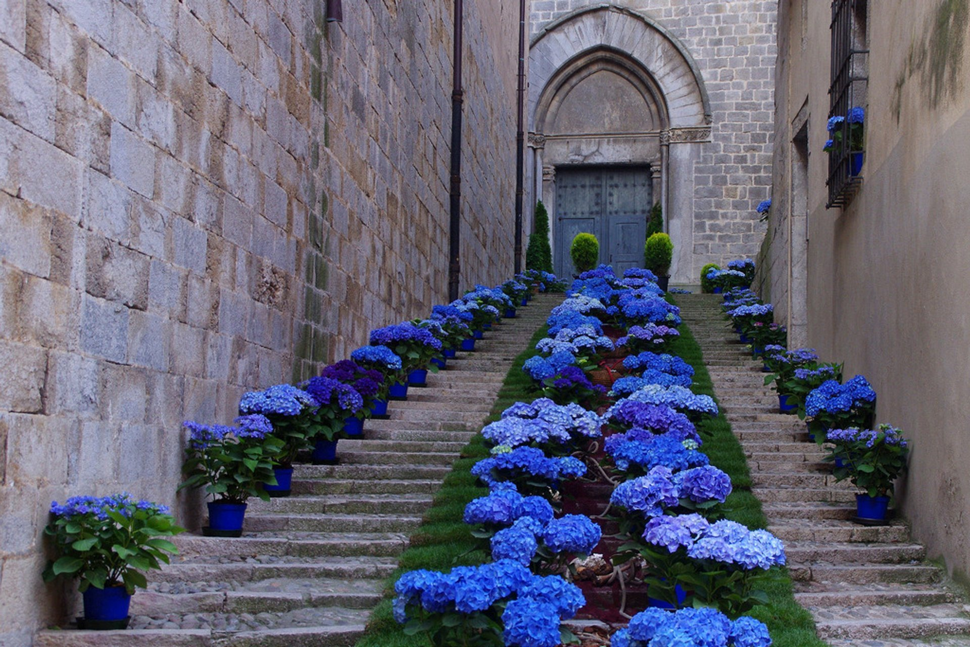 Best time to see Girona Flower Festival (Temps de Flors) 2020