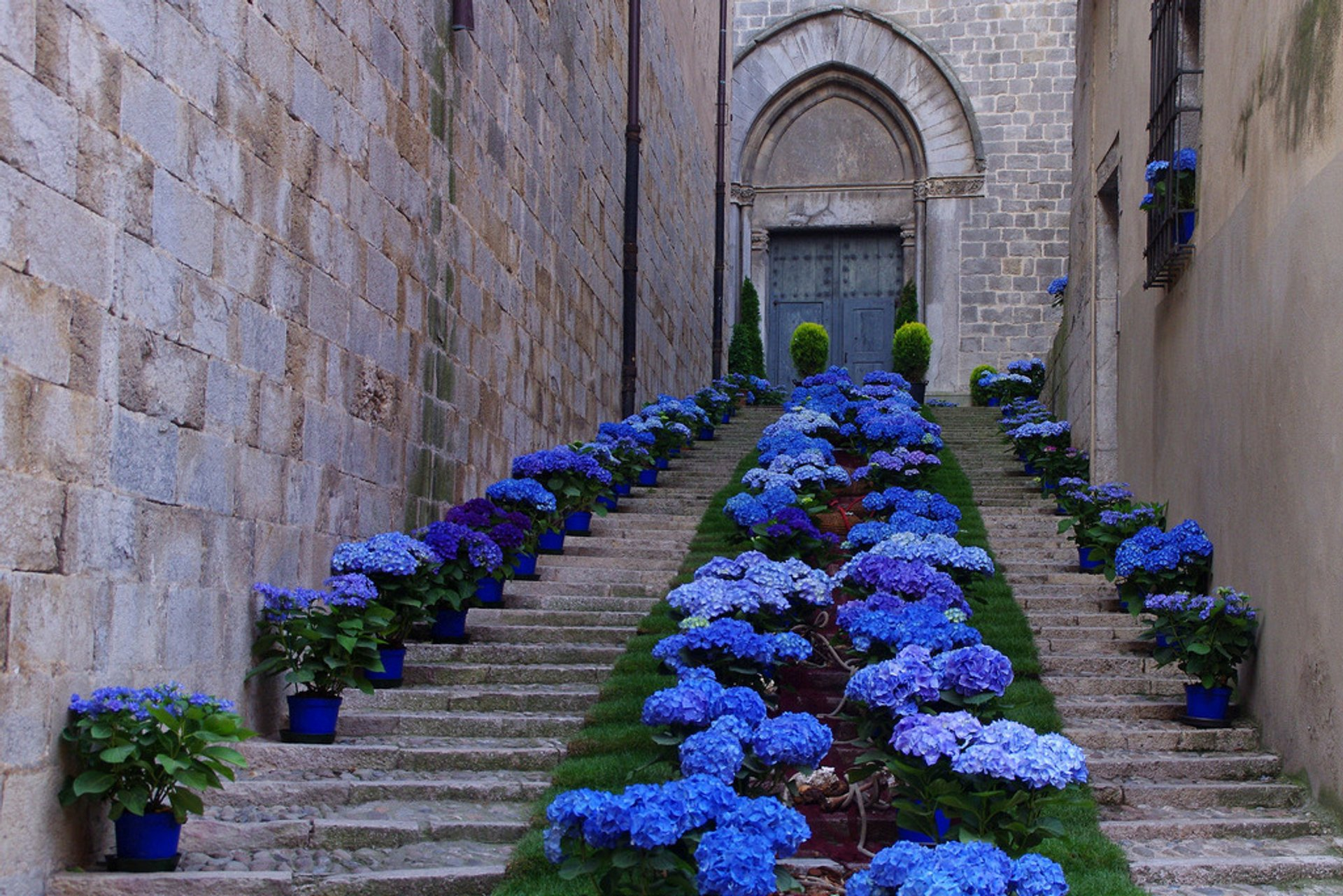 Best time to see Girona Flower Festival 2020