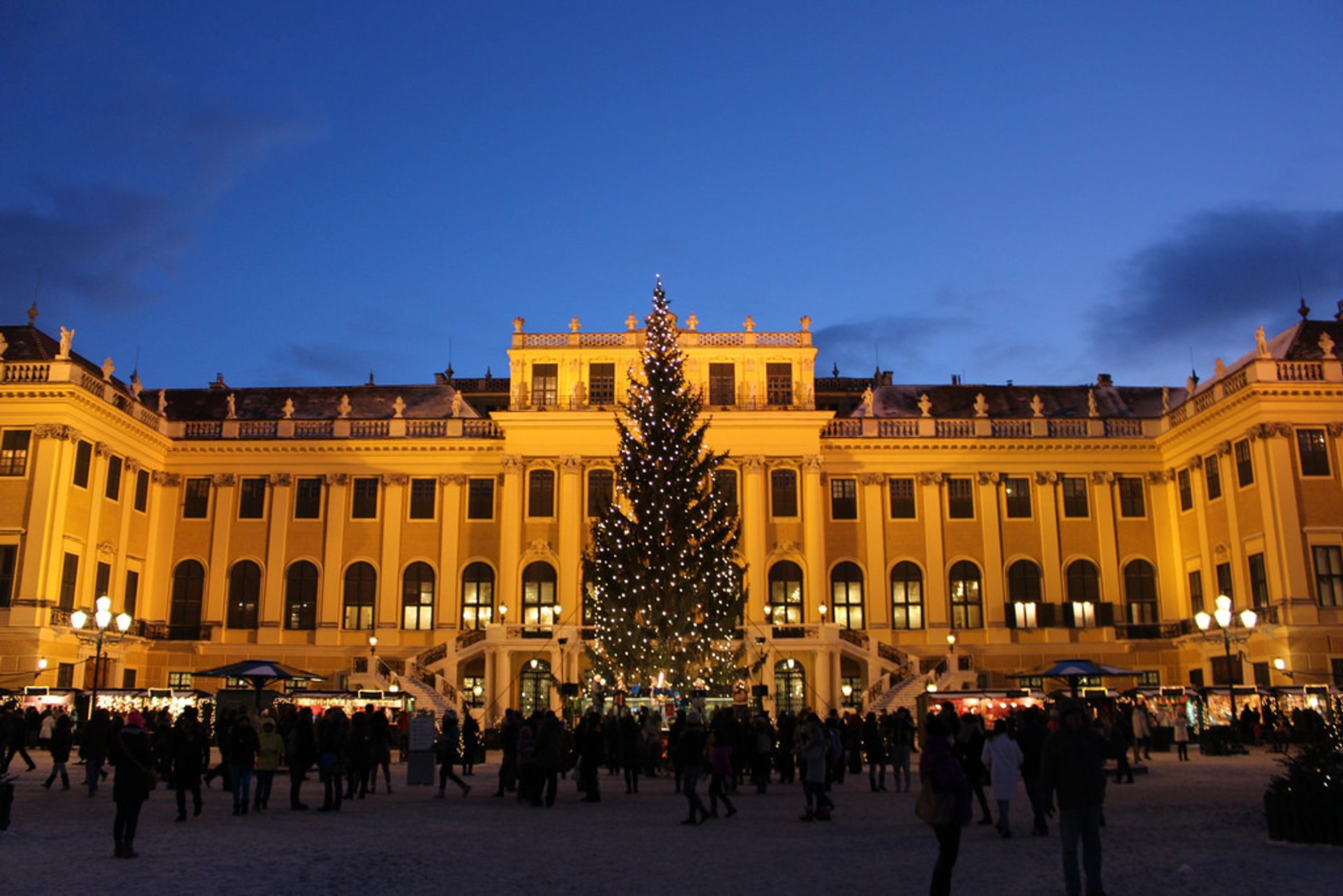 Christmas Market at Schönbrunn Palace in Vienna 2020