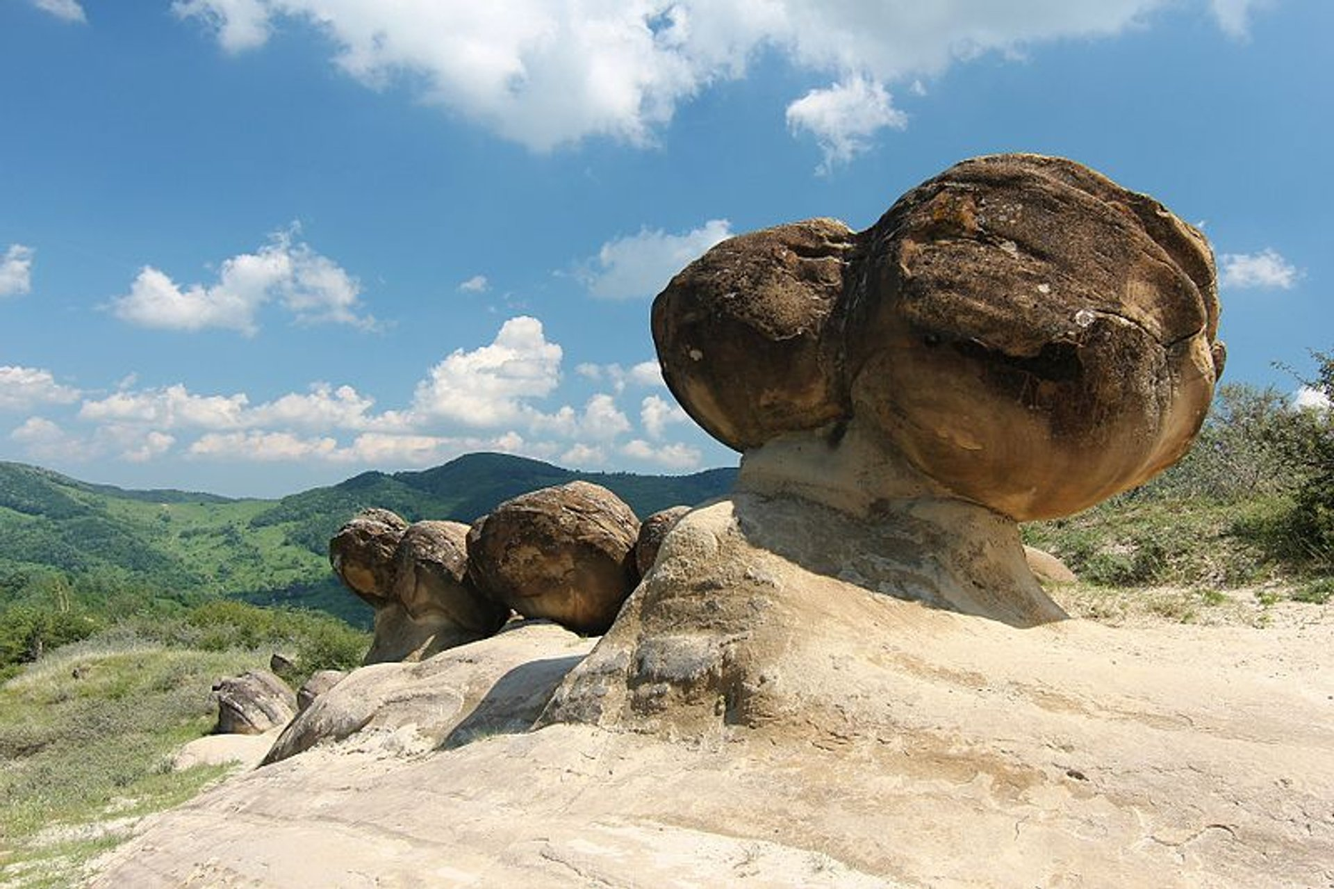 Growing Stones or Trovants in Romania 2019 - Best Time