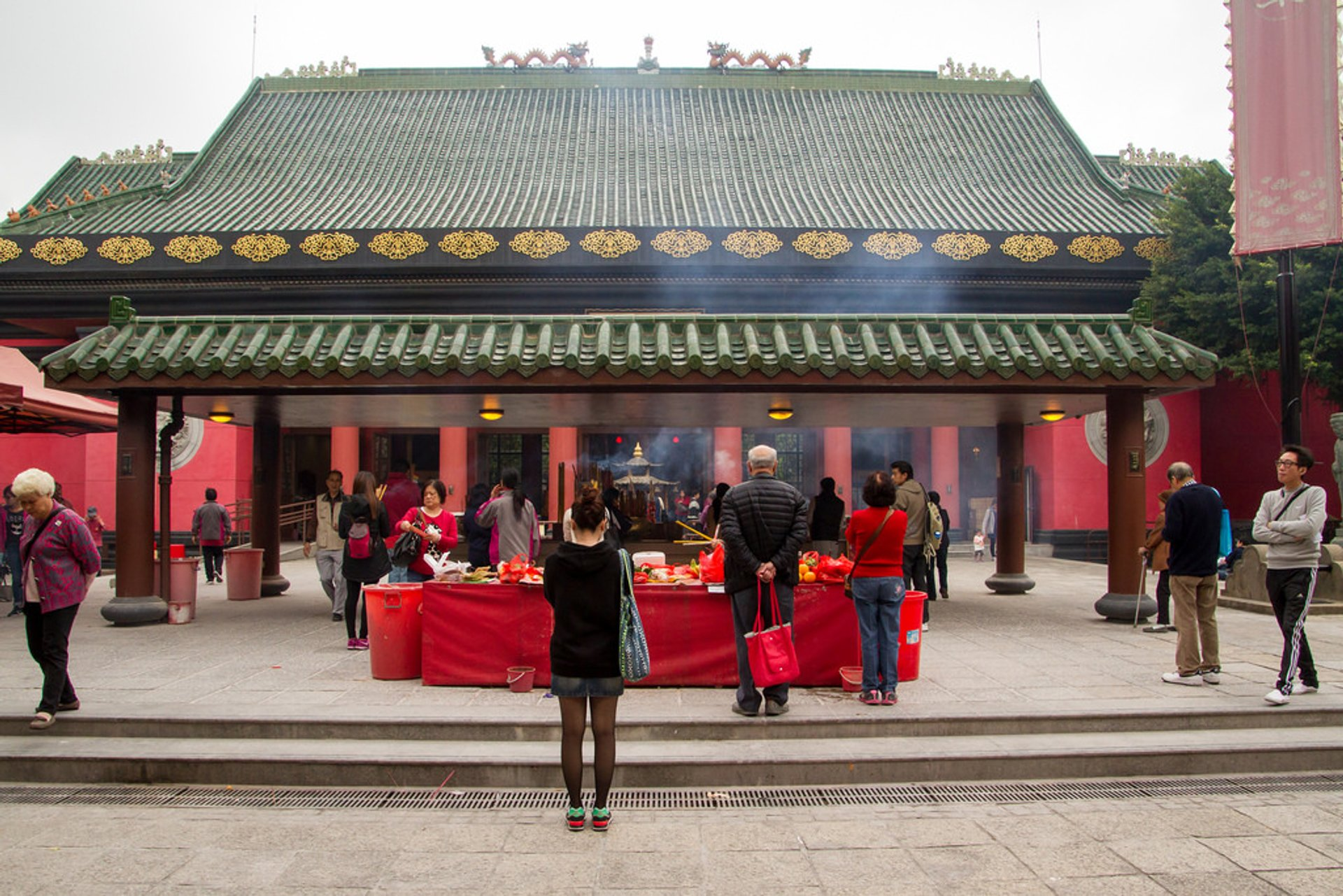 Worshippers and Incense at Che Kung Temple 2020