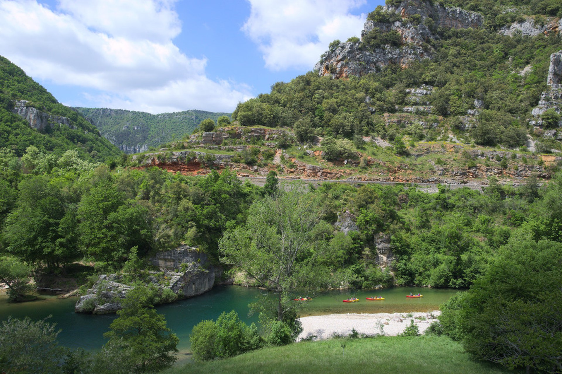 Hiking in Gorges du Tarn in France - Best Season 2020