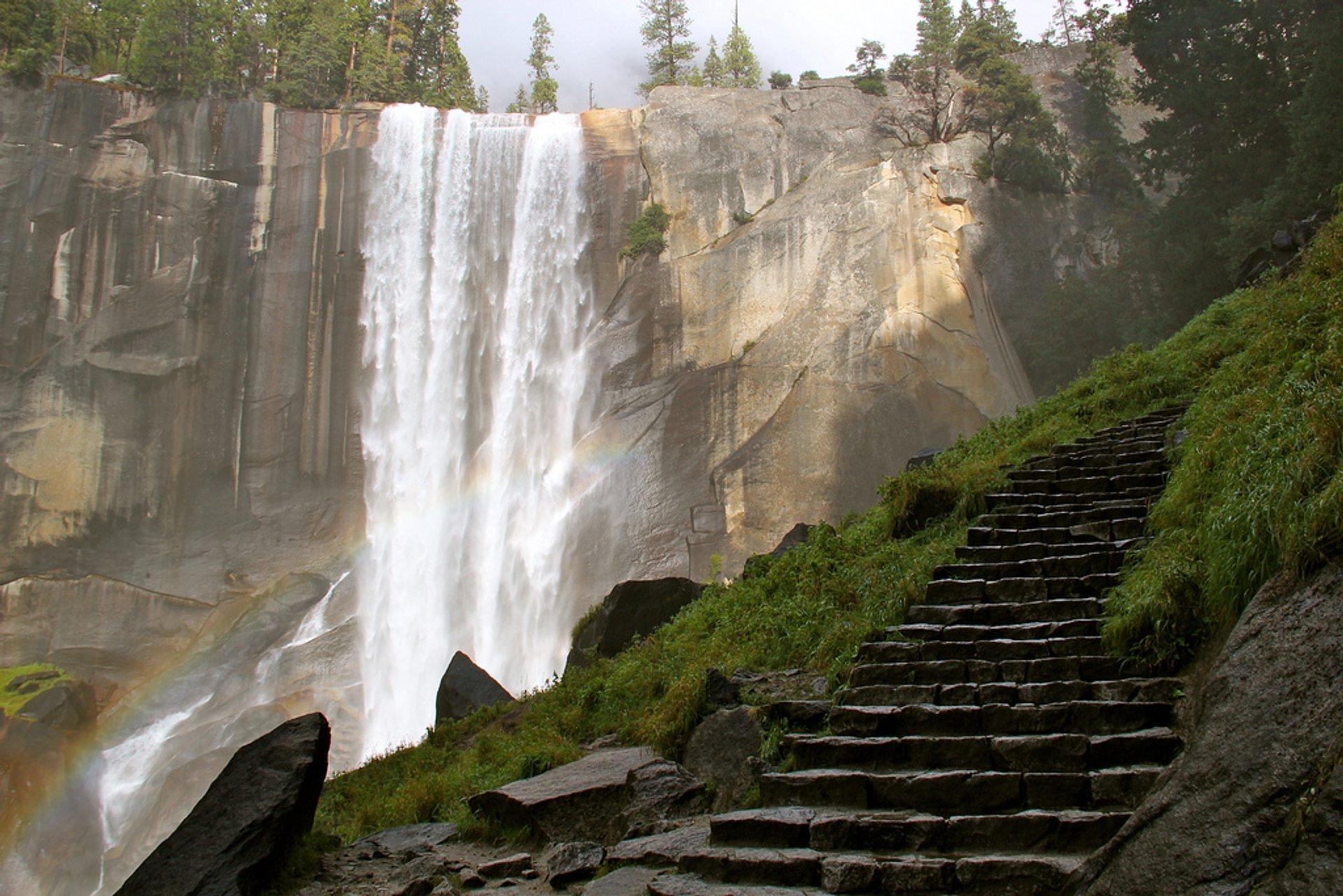 Mist Trail in Yosemite 2020 - Best Time