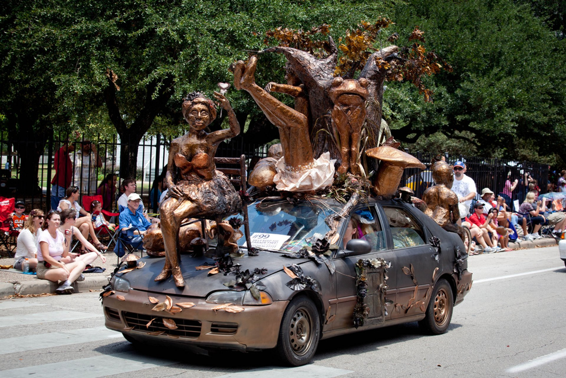 Best time for Houston Art Car Parade in Texas 2020