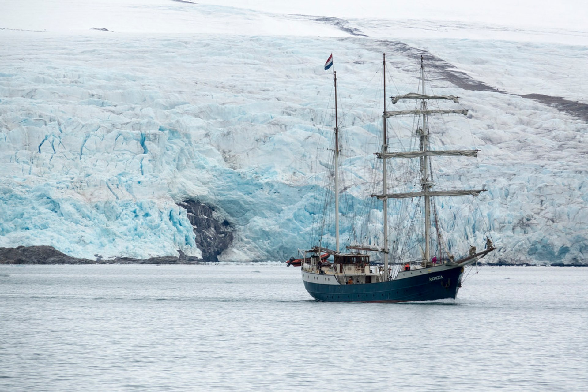 Polar Cruises in Svalbard - Best Season 2020