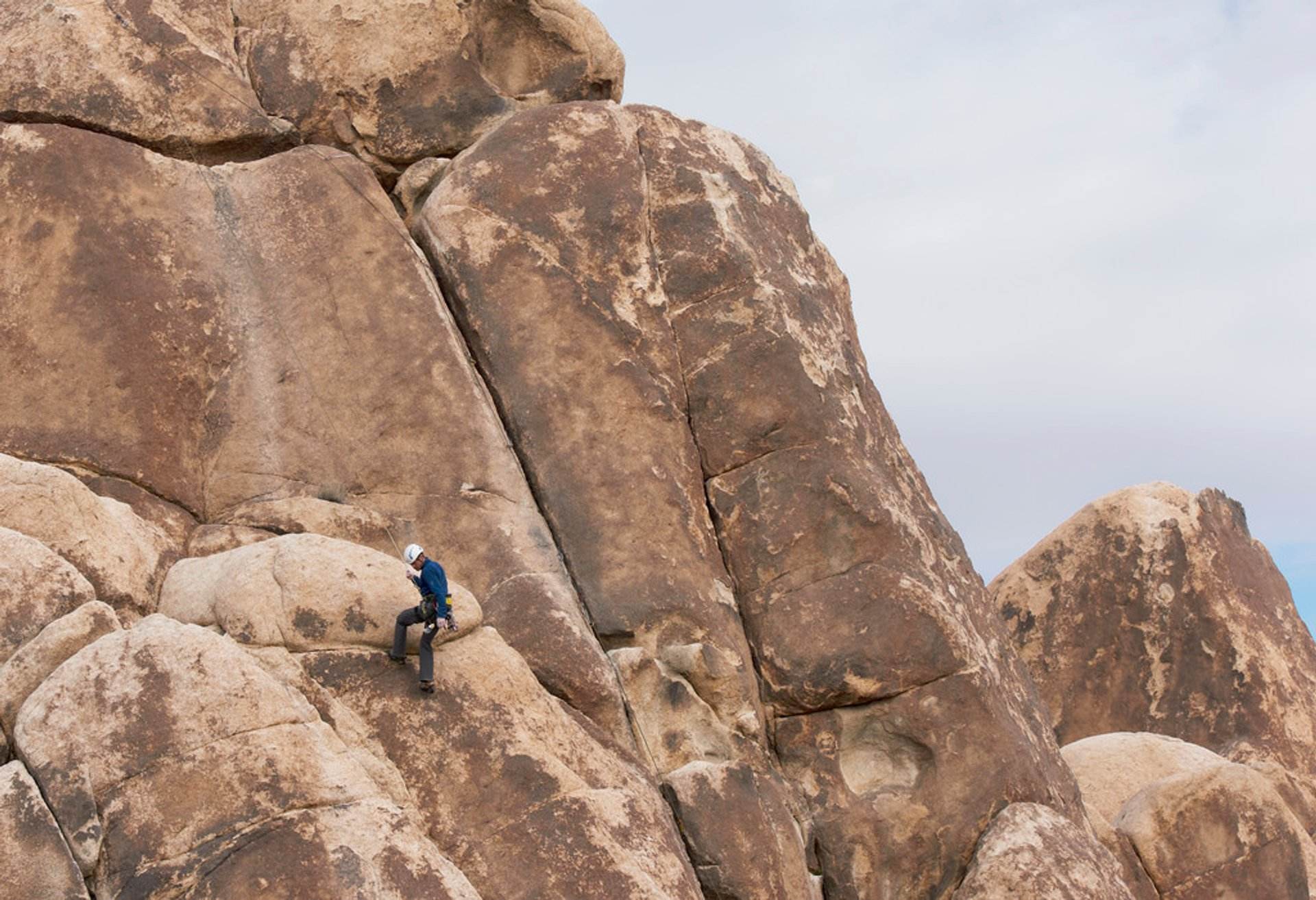 Joshua Tree Rock Climbing in Los Angeles - Best Season 2020