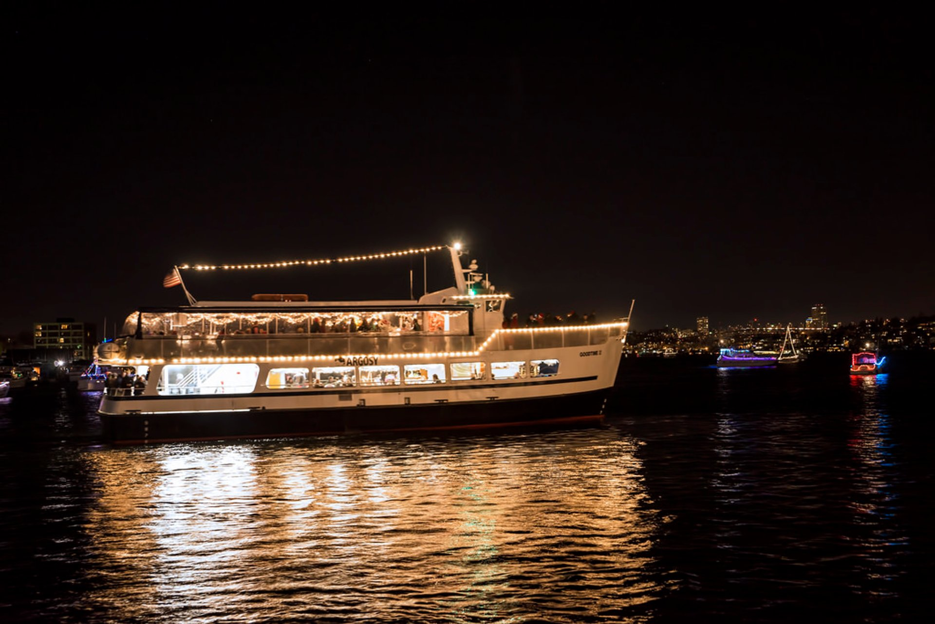 Best time to see Christmas Ship Festival in Seattle 2019