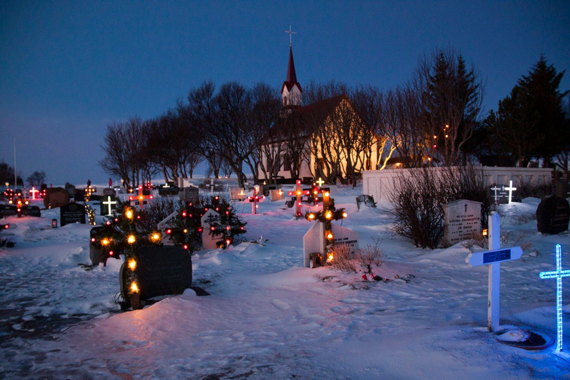 Illuminated Gravestones in Iceland - Best Season 2020