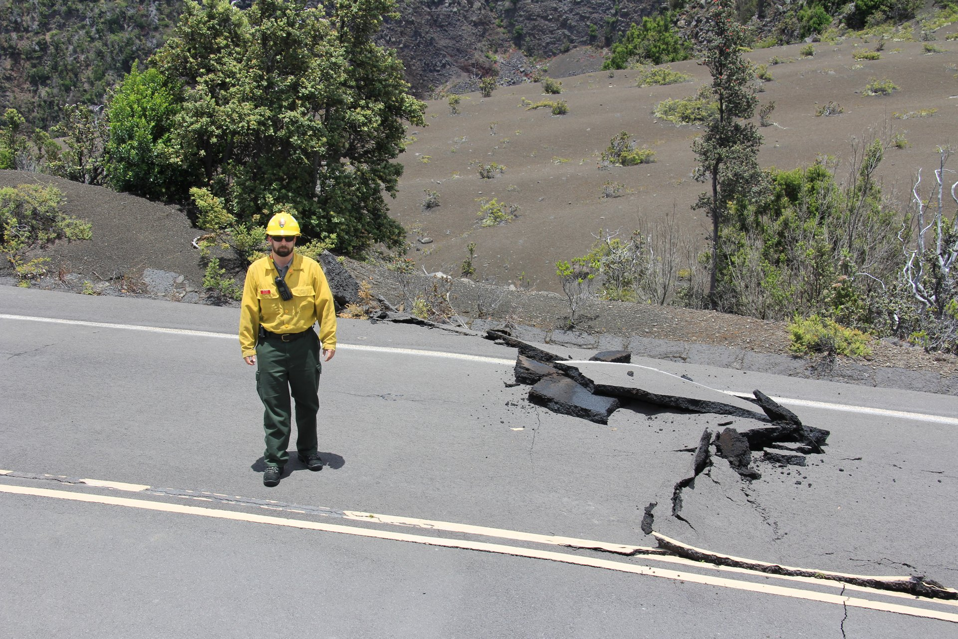 Damage on Crater Rim Drive near Keanakakoi 2019