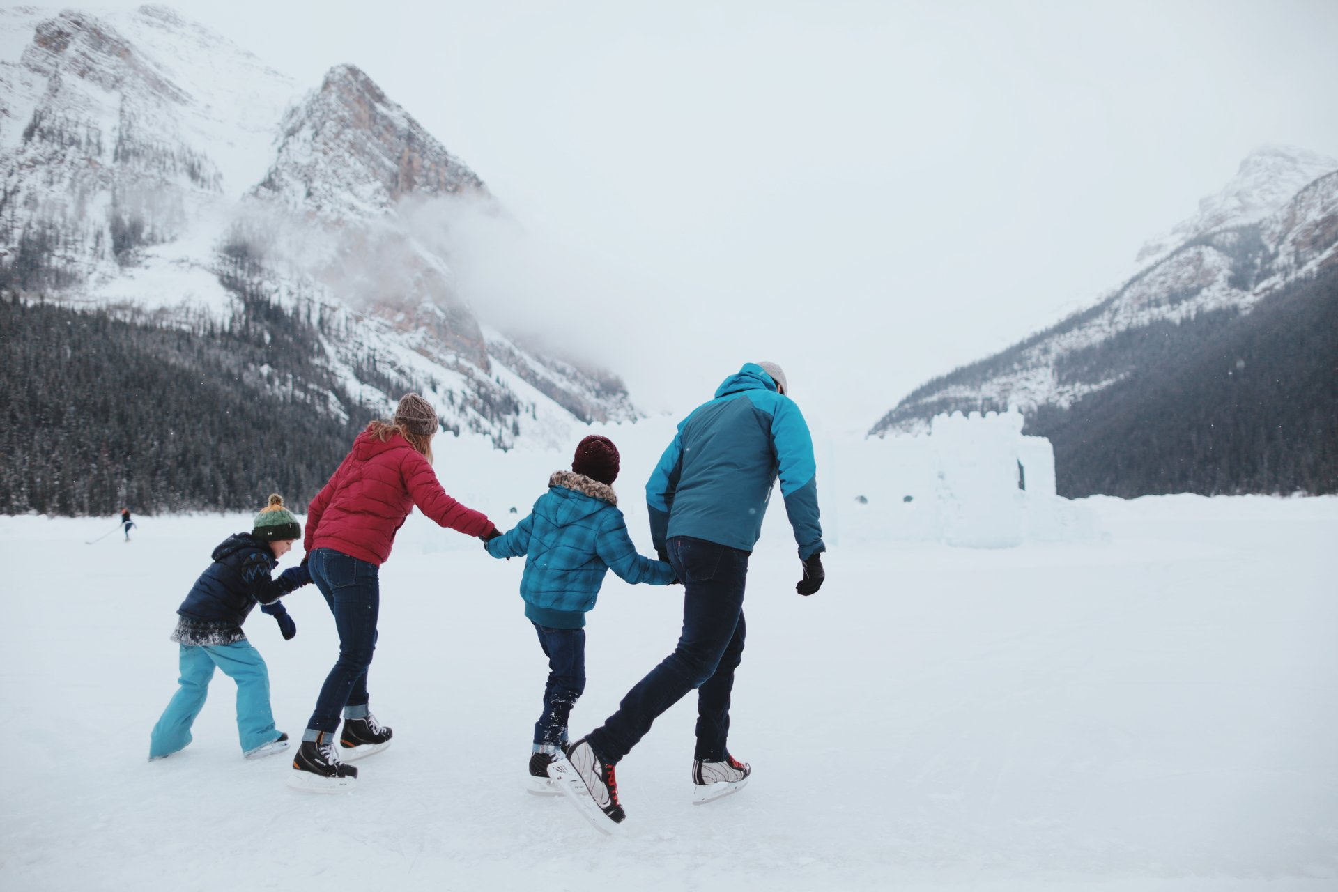 Skating on Lake Louise in Banff & Jasper National Parks - Best Season 2019