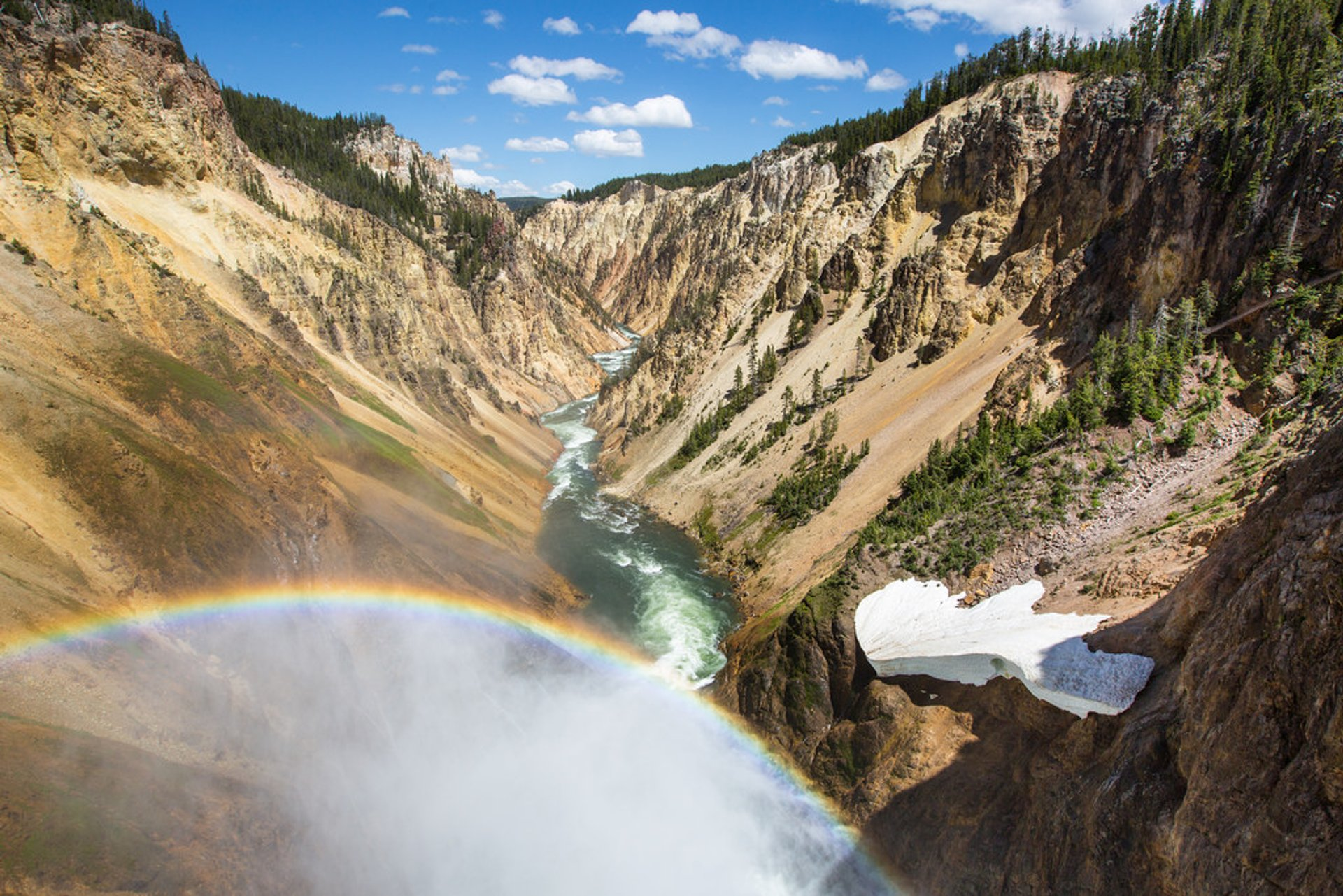 Grand Canyon of the Yellowstone in Yellowstone National Park - Best Season 2019