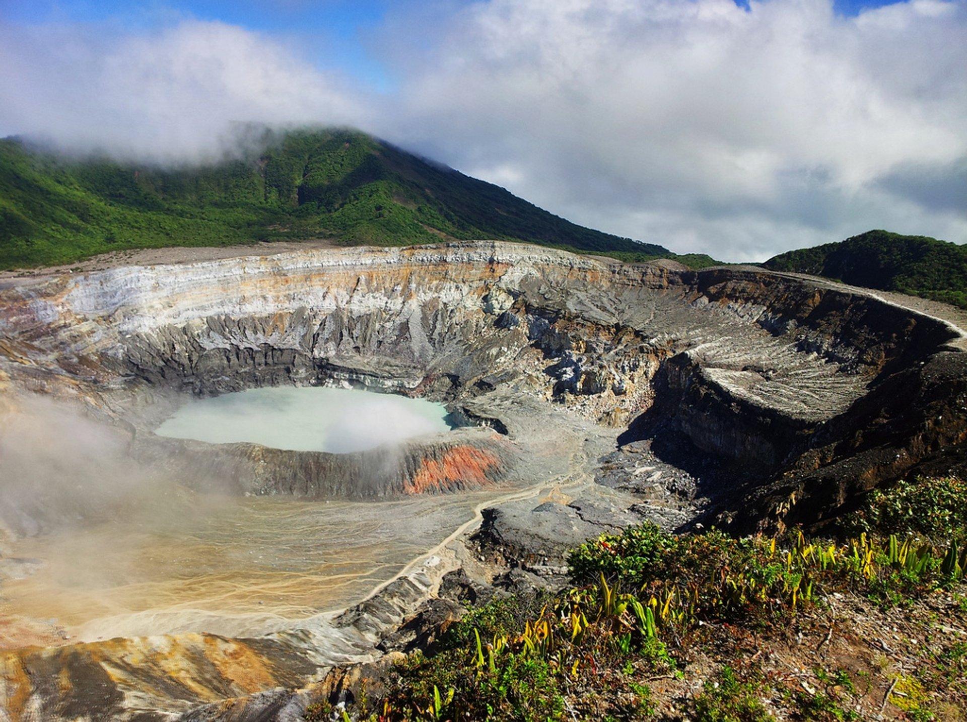 Poas Volcano in Costa Rica - Best Season 2019