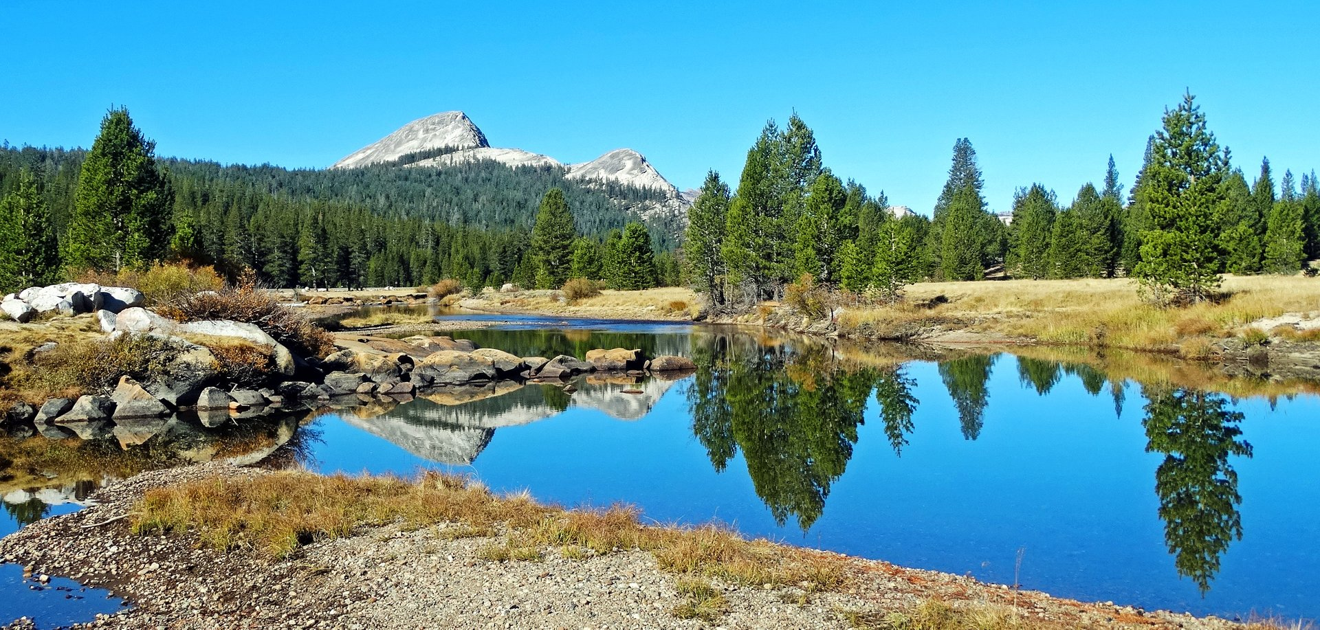 Best time to see Tuolumne Meadows in Yosemite 2020