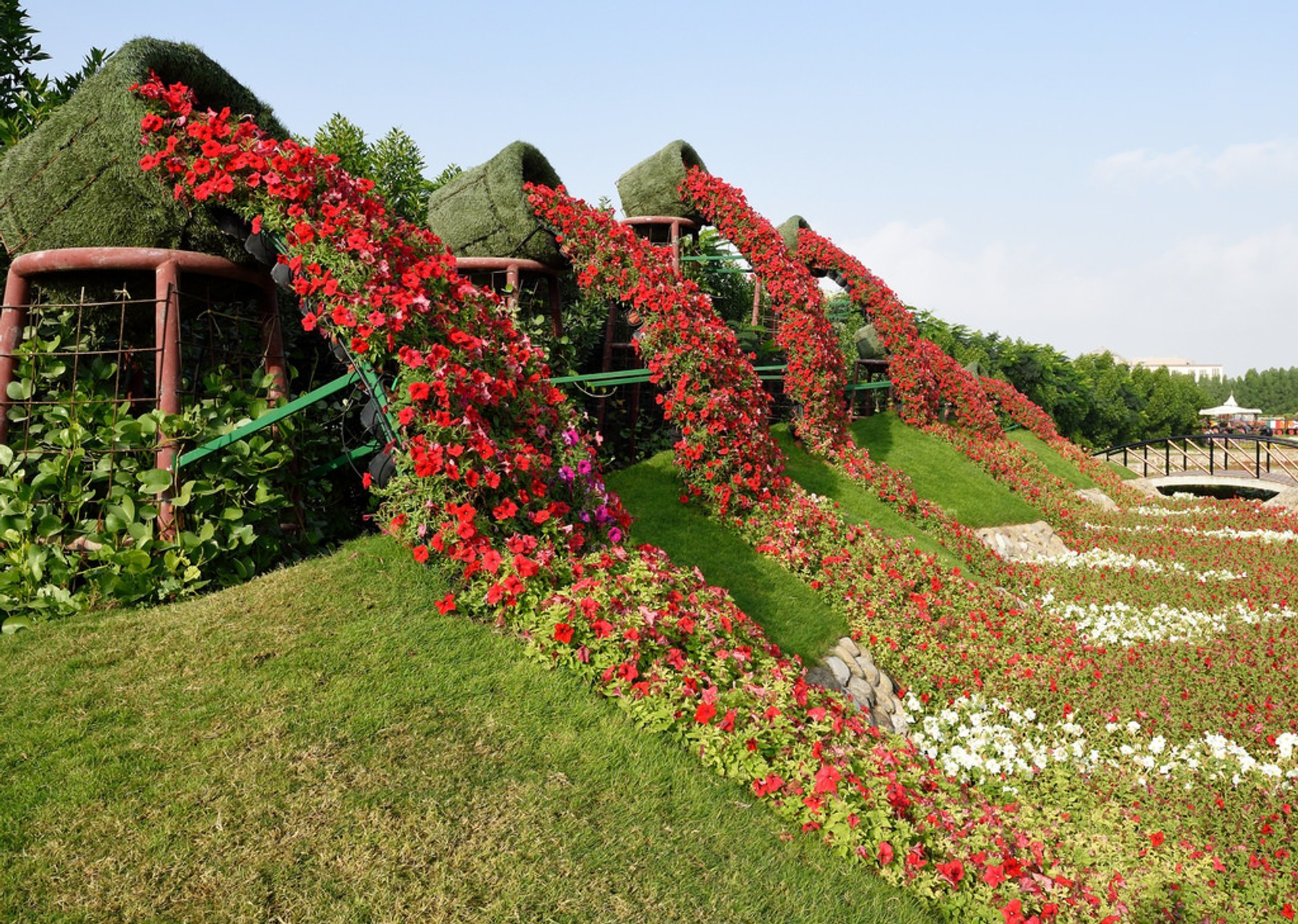 Dubai Miracle Garden in Dubai - Best Season 2019