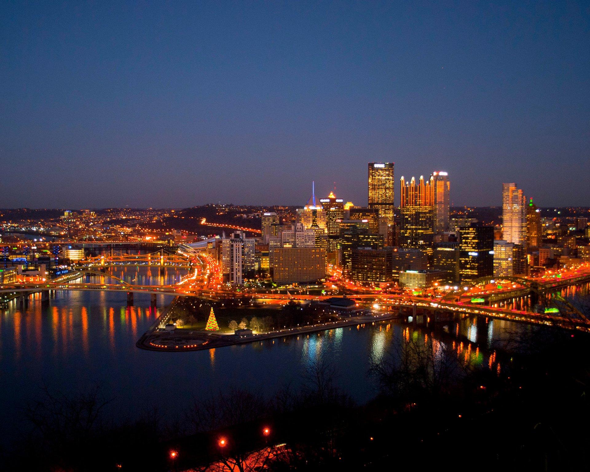 Pittsburgh Skyline Christmas 2021 Christmas Lights In Pittsburgh 2020 Pittsburgh Pa Dates