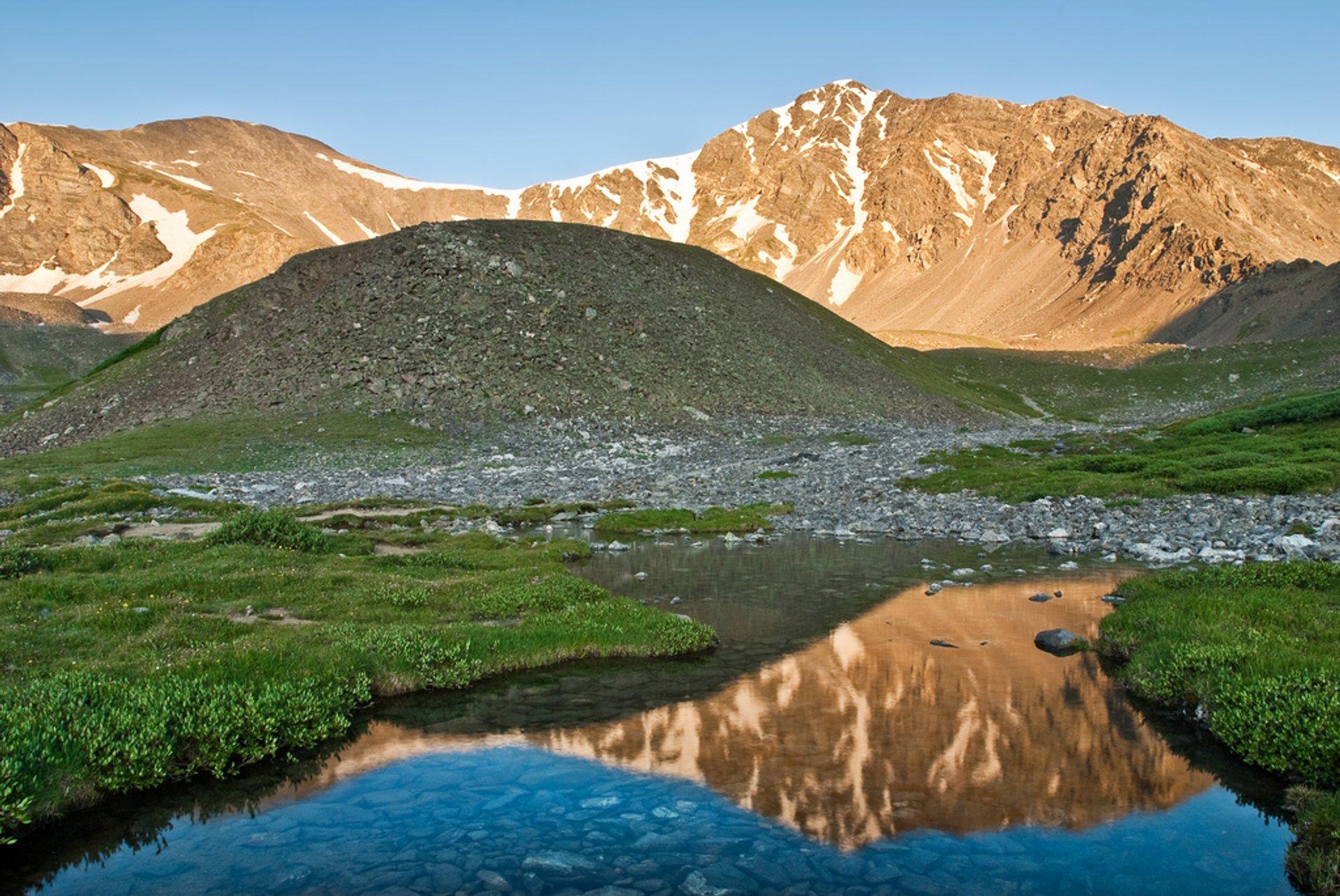 Hike to Grays and Torreys Peaks in Colorado - Best Season 2020