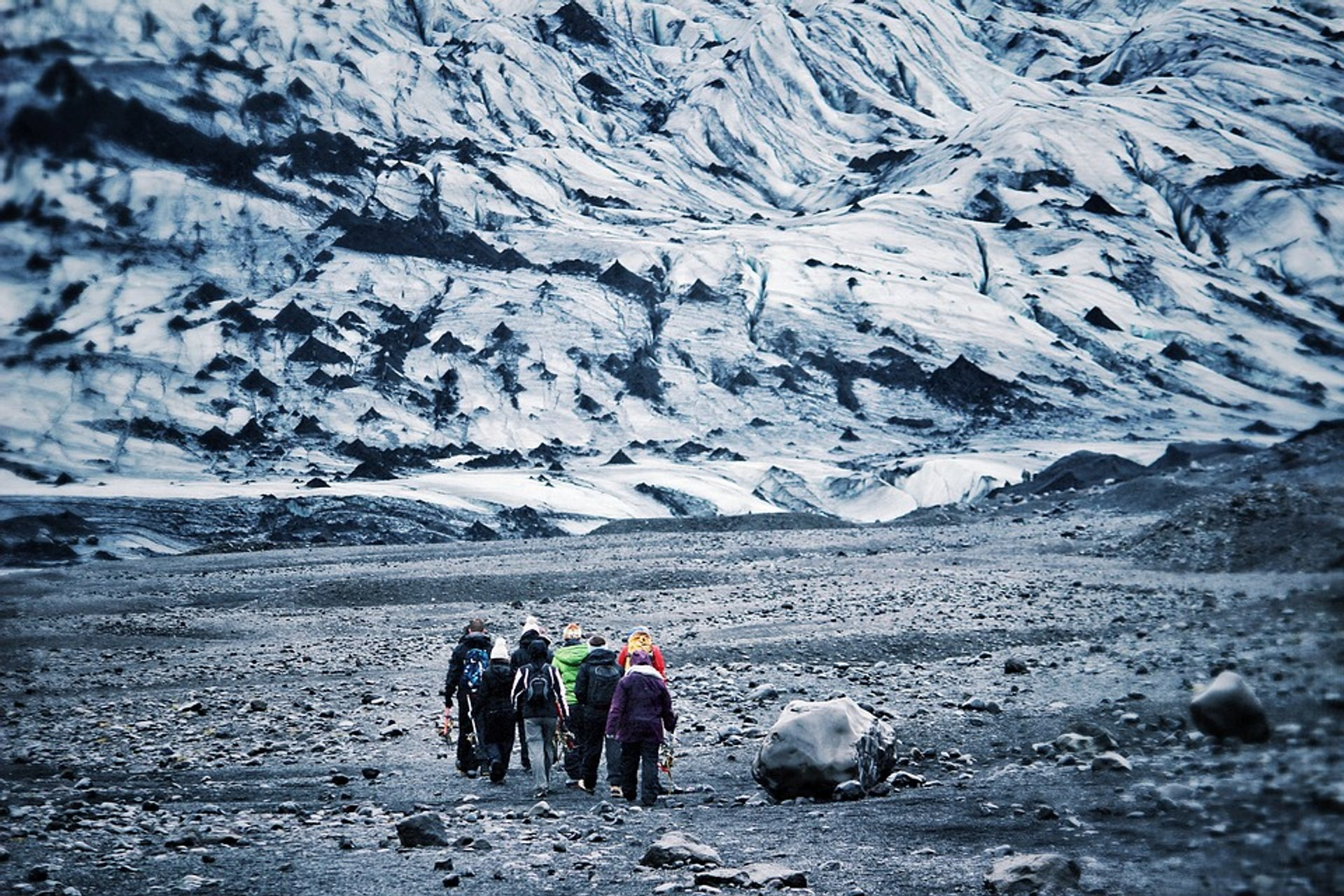 Glacier Walking in Iceland - Best Season 2019