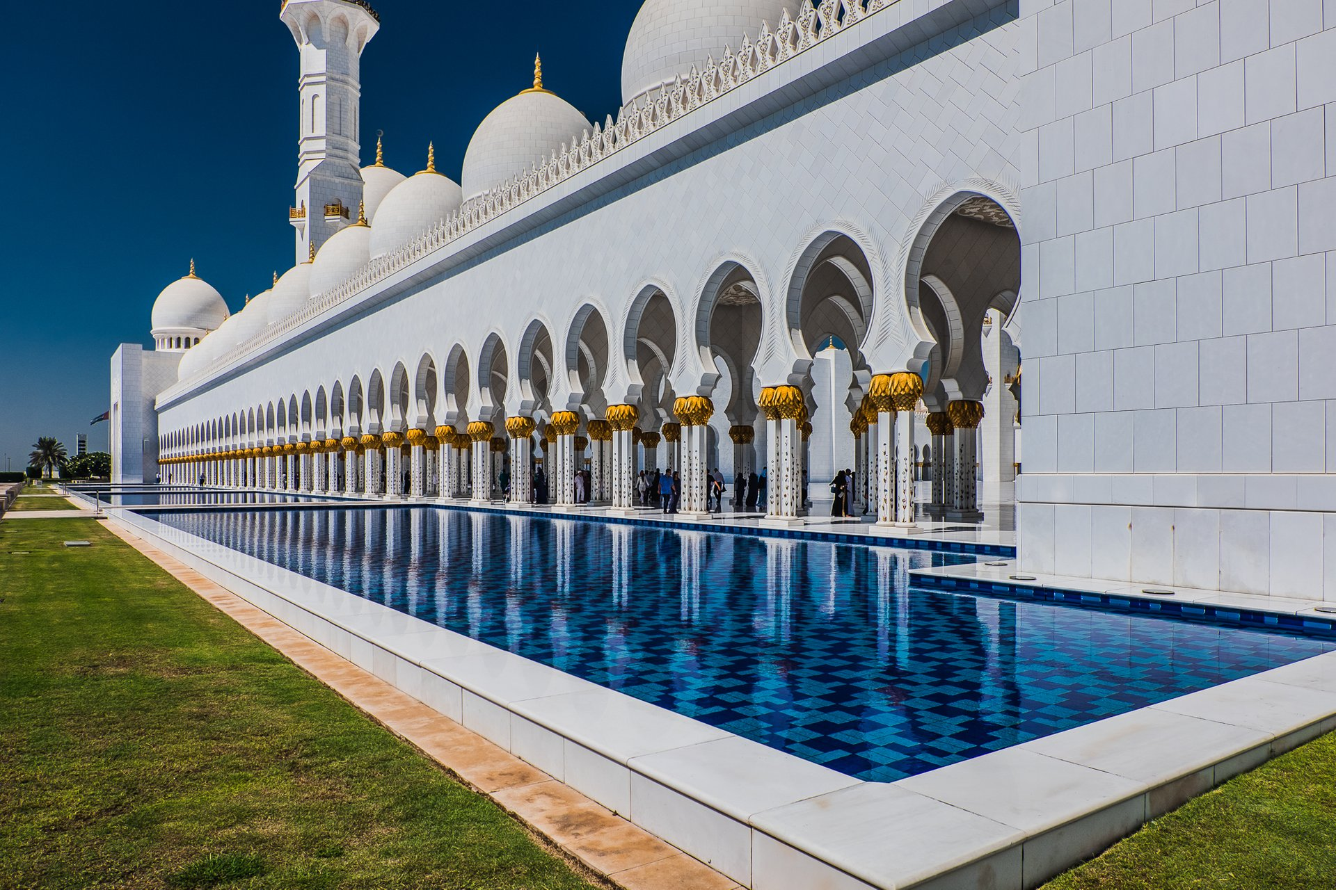 Best time for Sheikh Zayed Grand Mosque in Abu Dhabi 2020