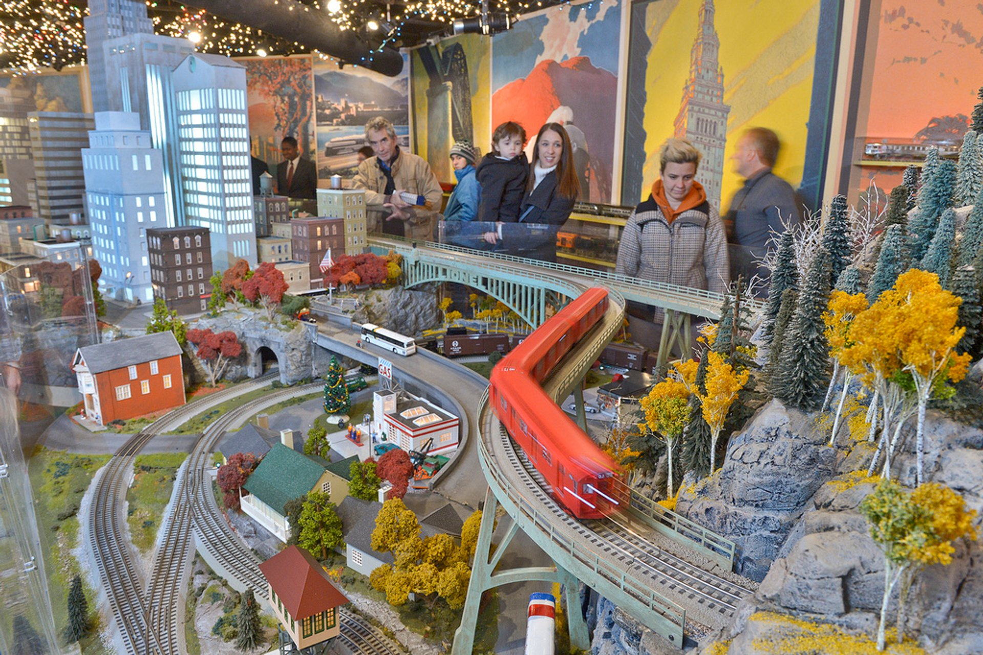 Holiday Train Show in New York - Best Season 2020