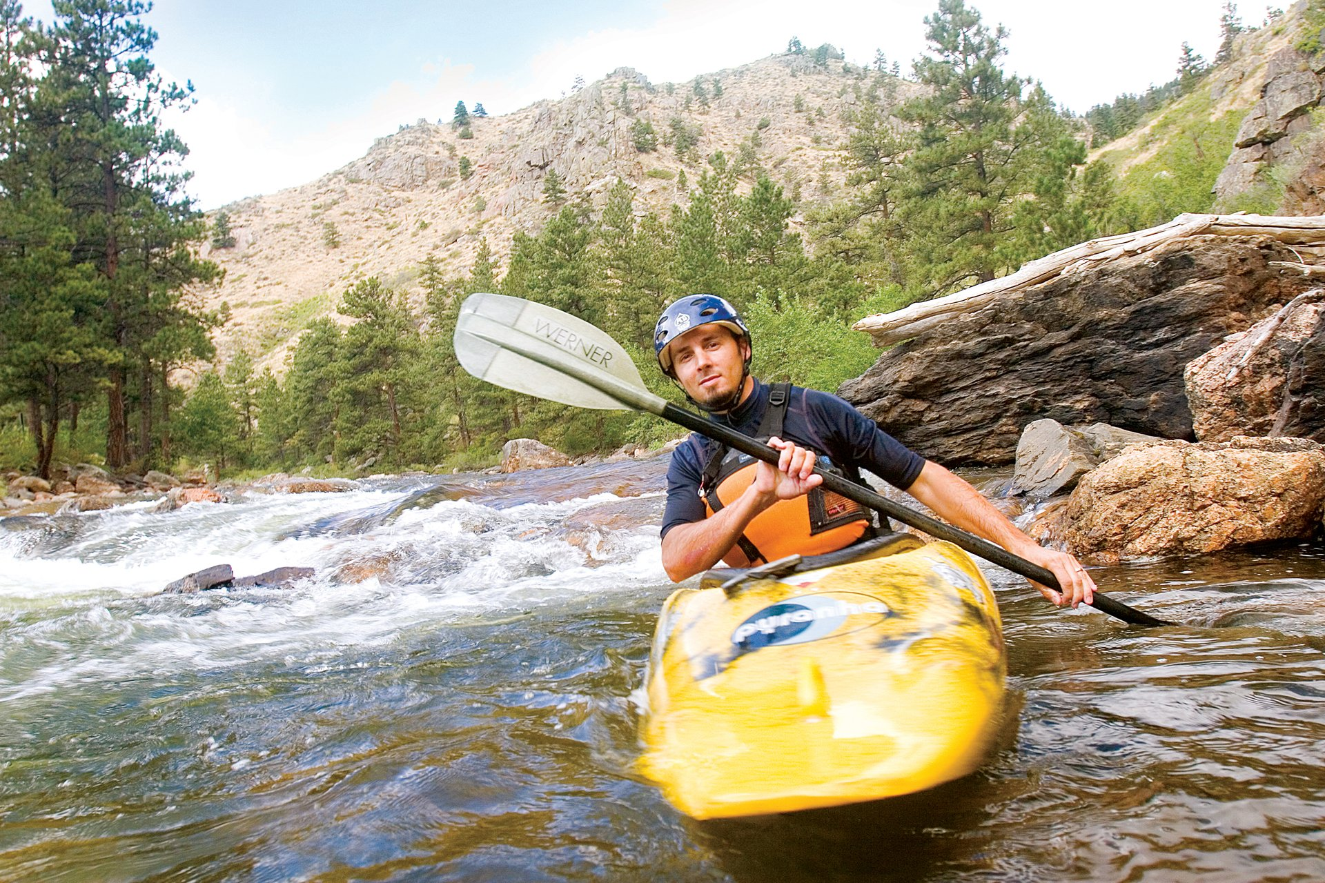 Kayaking and paddling the Cache la Poudre River near Fort Collins 2020