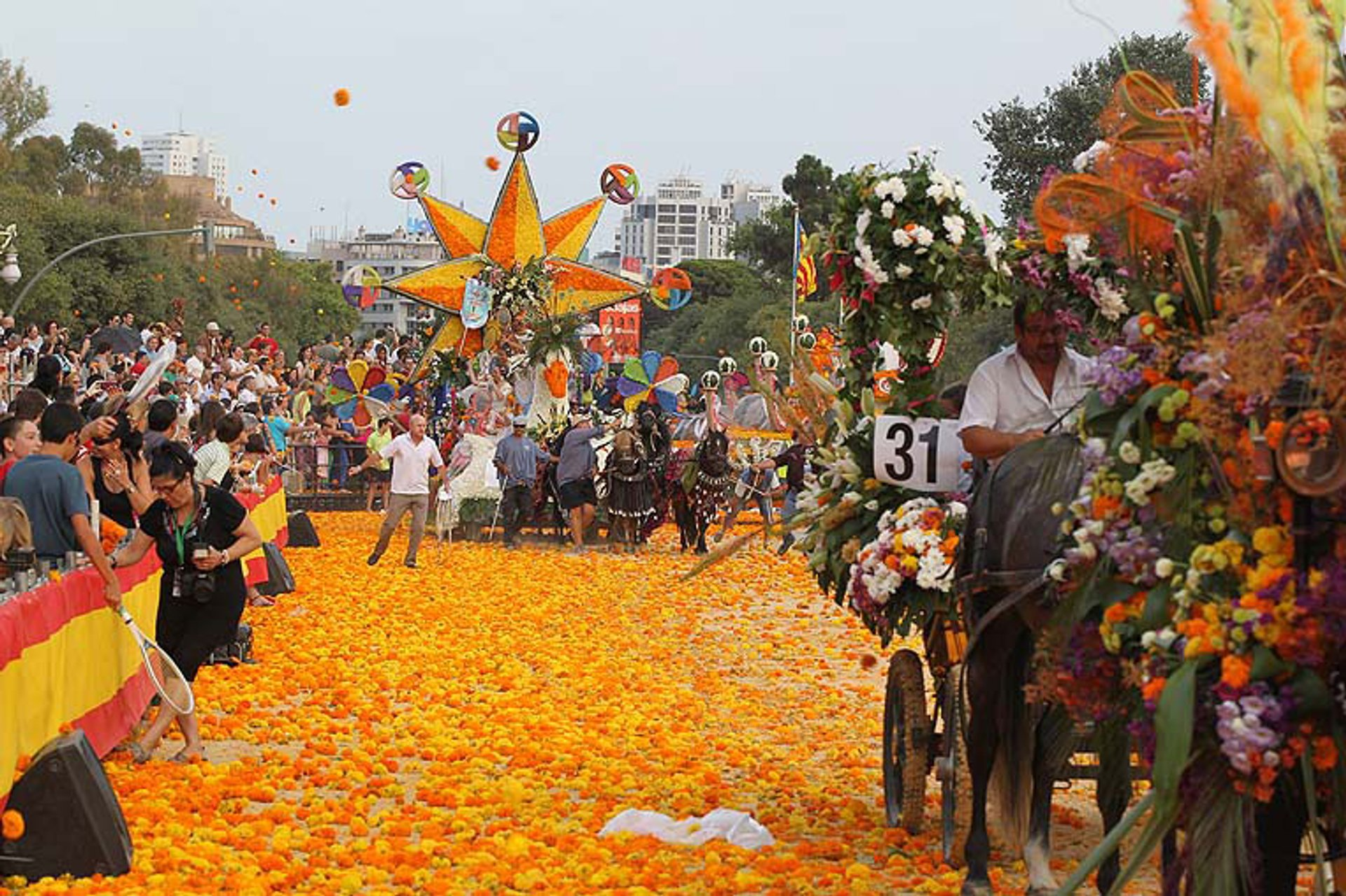 Battle of Flowers in Valencia - Best Season