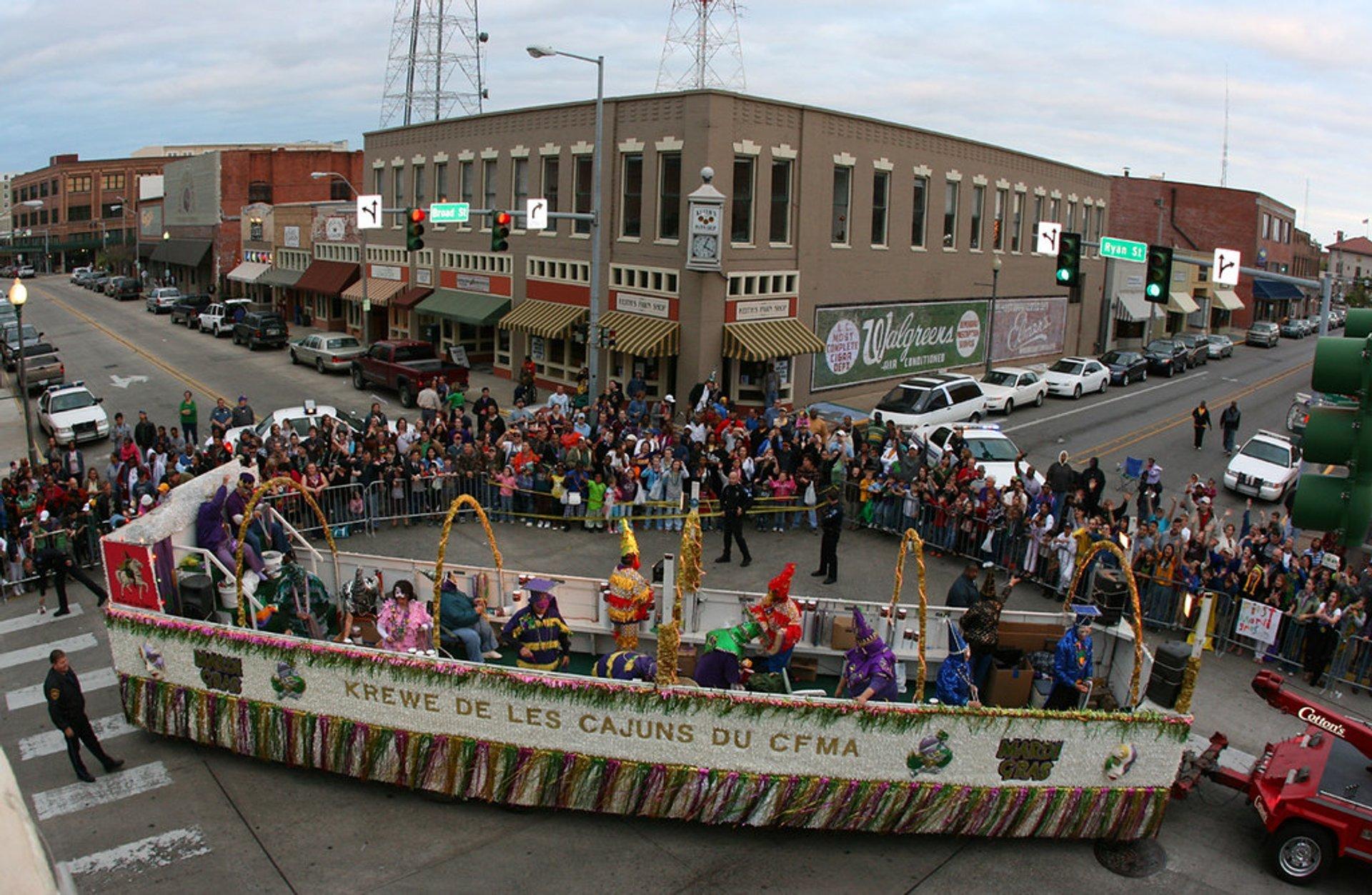 Krewe De Krewes Mardi Gras Parade makes the corner at Ryan and Broad in Lake Charles, LA 2020