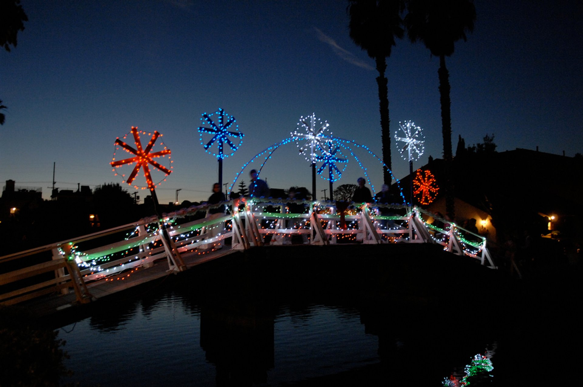 Venice Canals Christmas Lights in Los Angeles - Best Season 2020