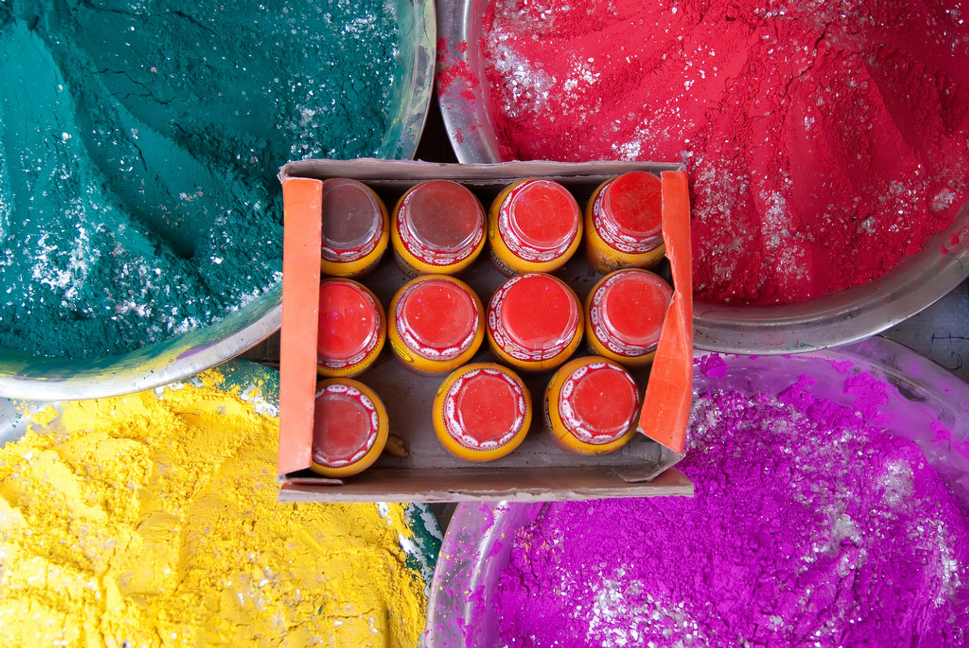 Holi Festival in Taj Mahal and Agra  2020 - Best Time