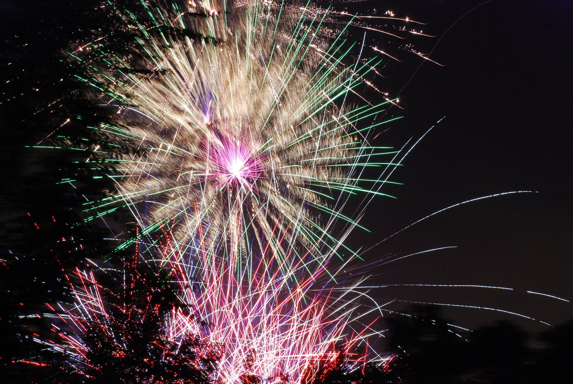 Fireworks at the Sugarhouse Park in Salt Lake City 2020