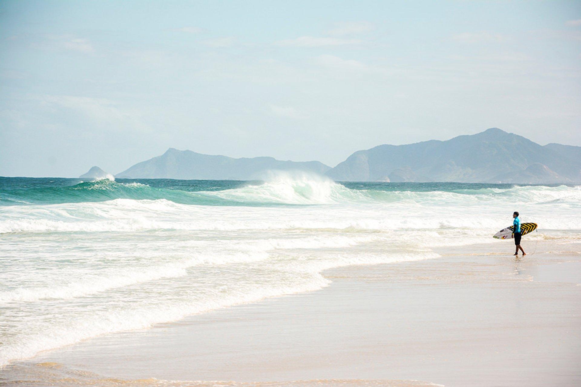 Surfing in Rio de Janeiro 2020 - Best Time