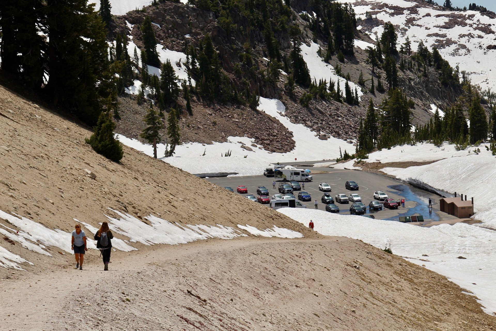 Lassen Peak Trail: Heading back to parking lot 2019