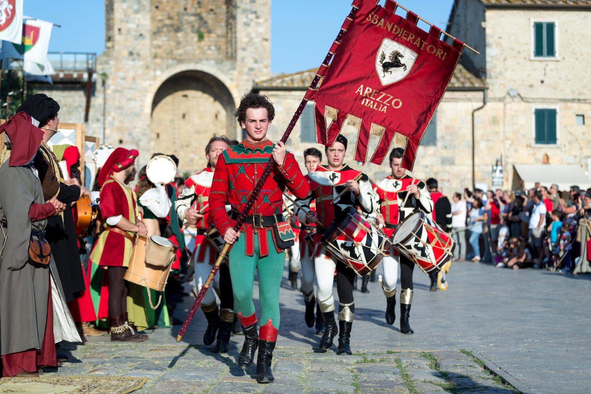 Medieval Festival Monteriggioni in Tuscany 2020 - Best Time