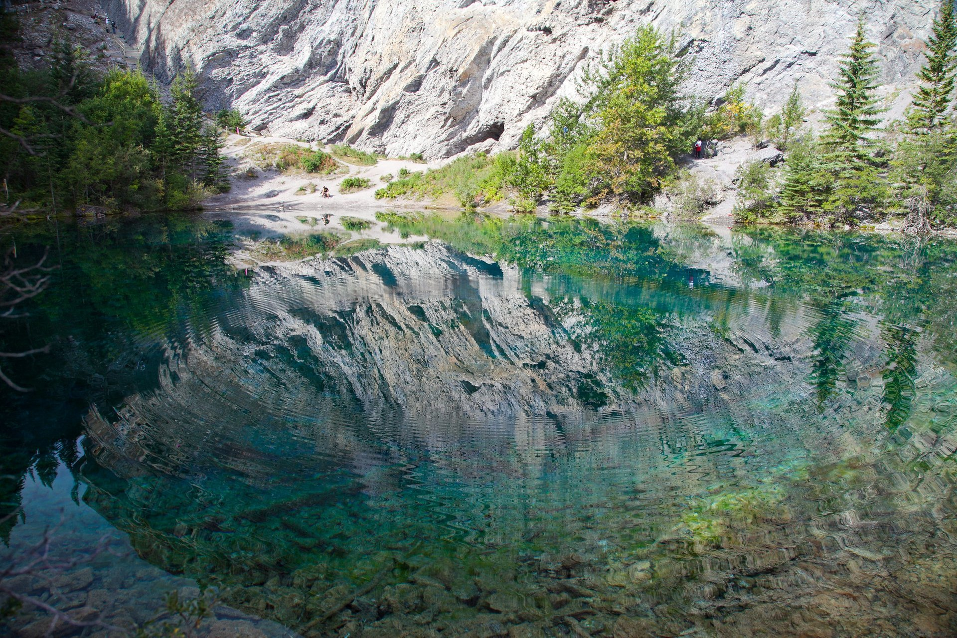 Best time to see Grassi Lakes in Banff & Jasper National Parks 2020
