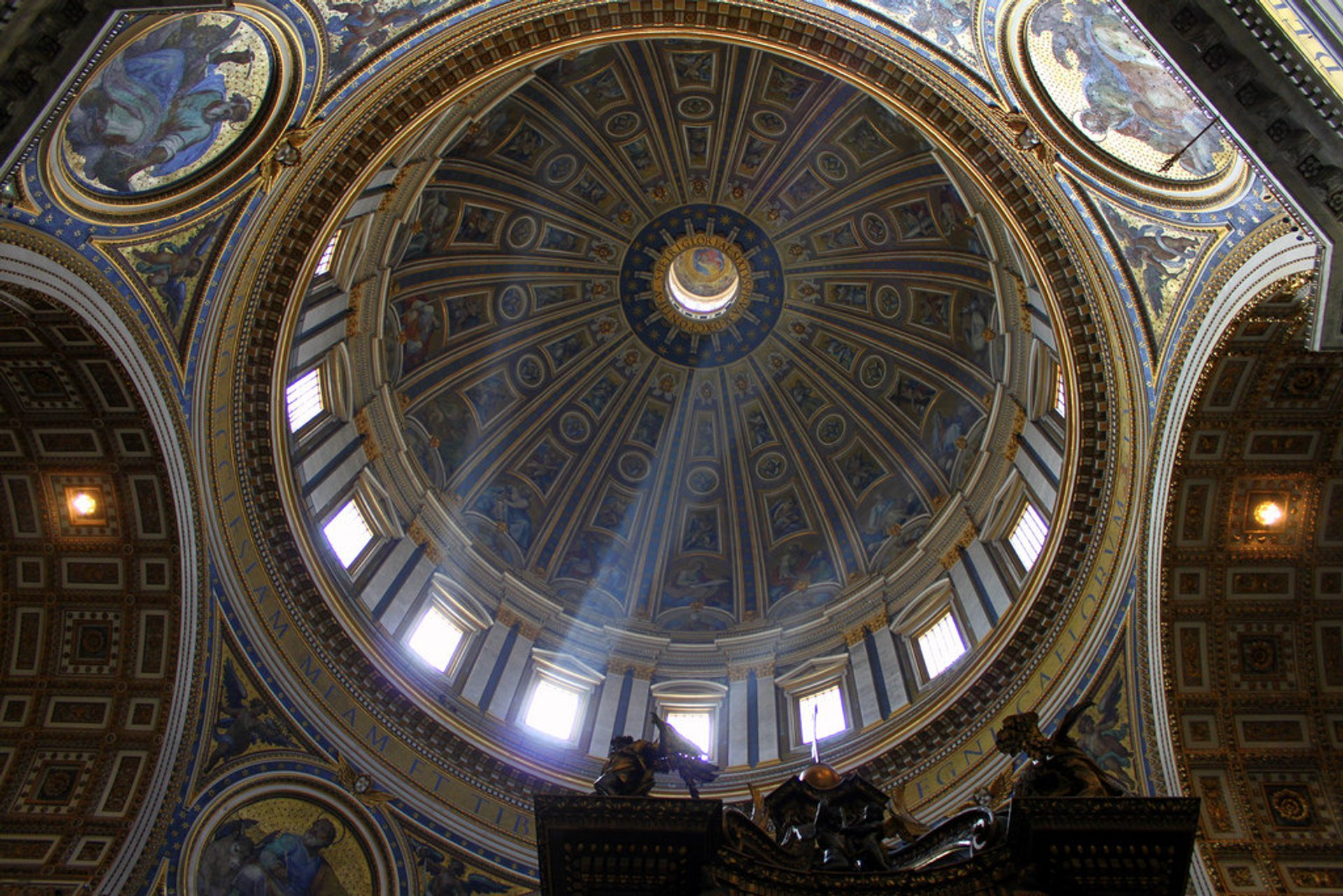 St. Peter's Basilica in Rome - Best Season 2020