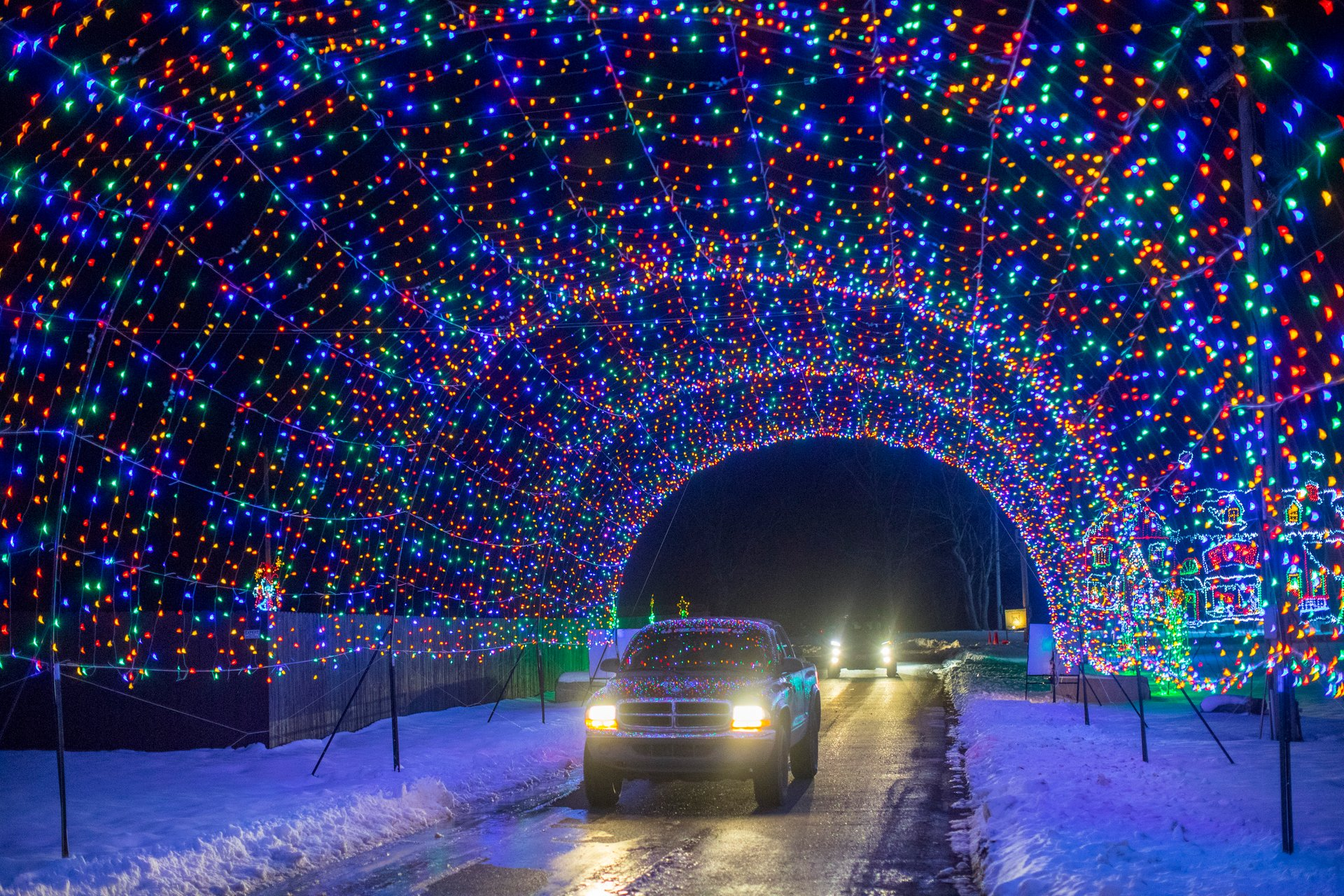 Hamburg Fairgrounds Festival of Lights in Niagara Falls - Best Time