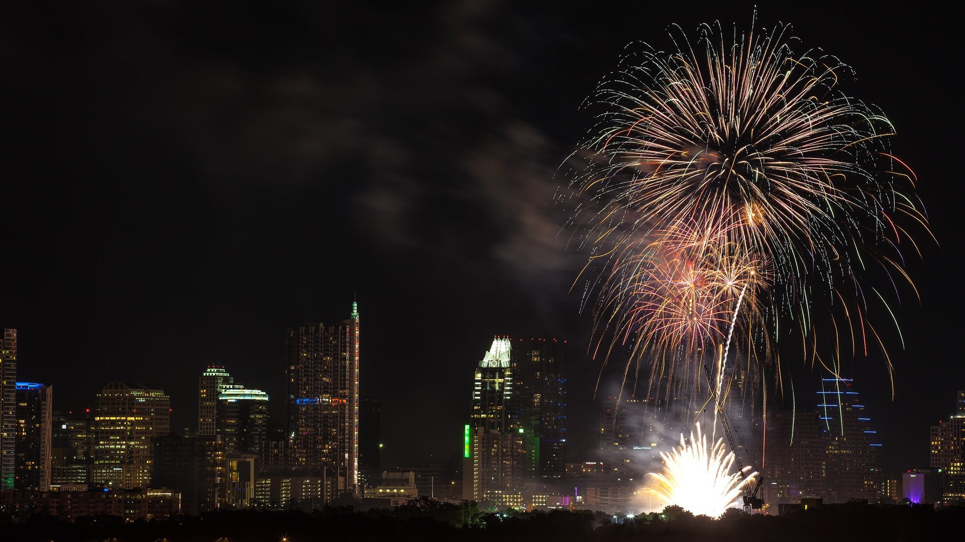 Fourth of July fireworks over downtown Austin 2020