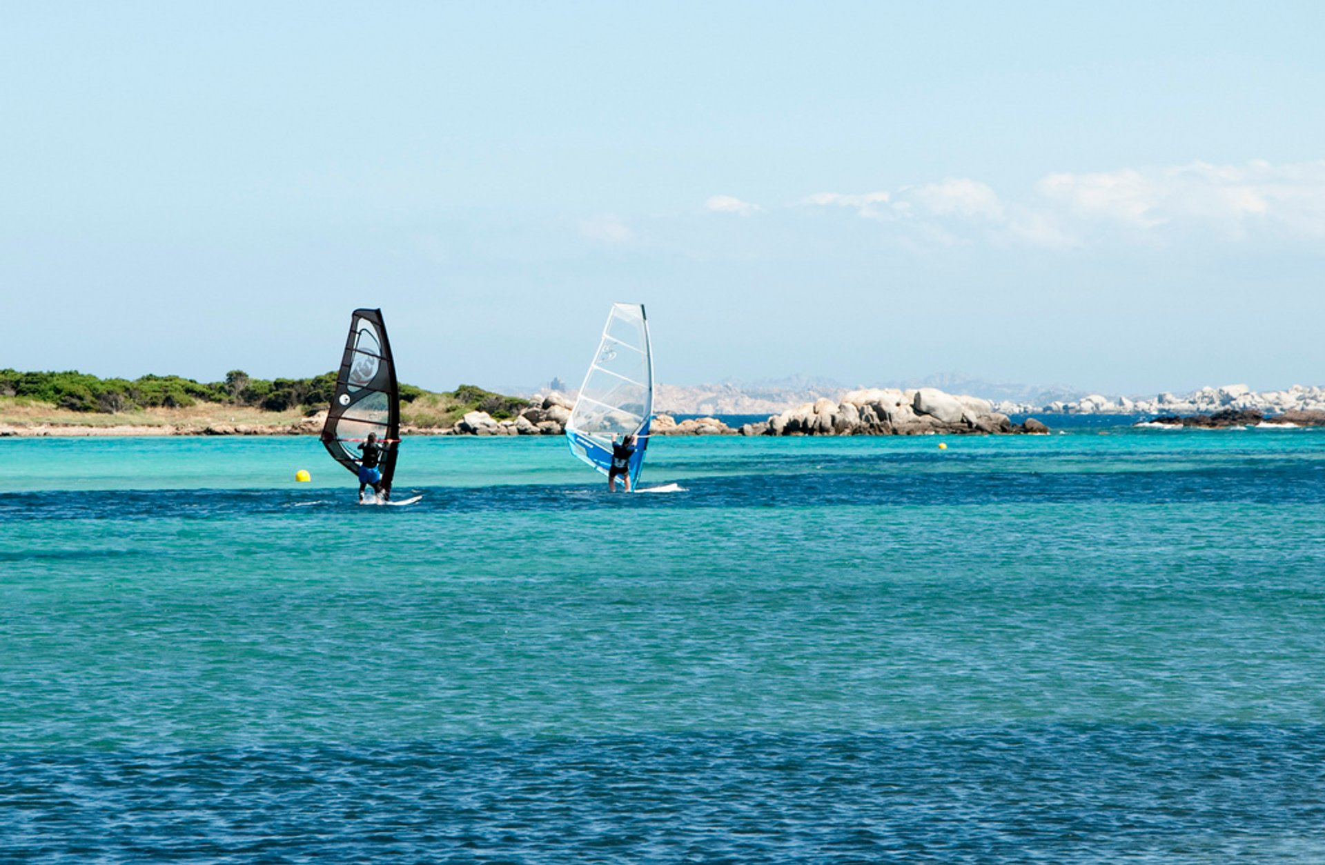 Kite and Windsurfing in Corsica - Best Season 2020