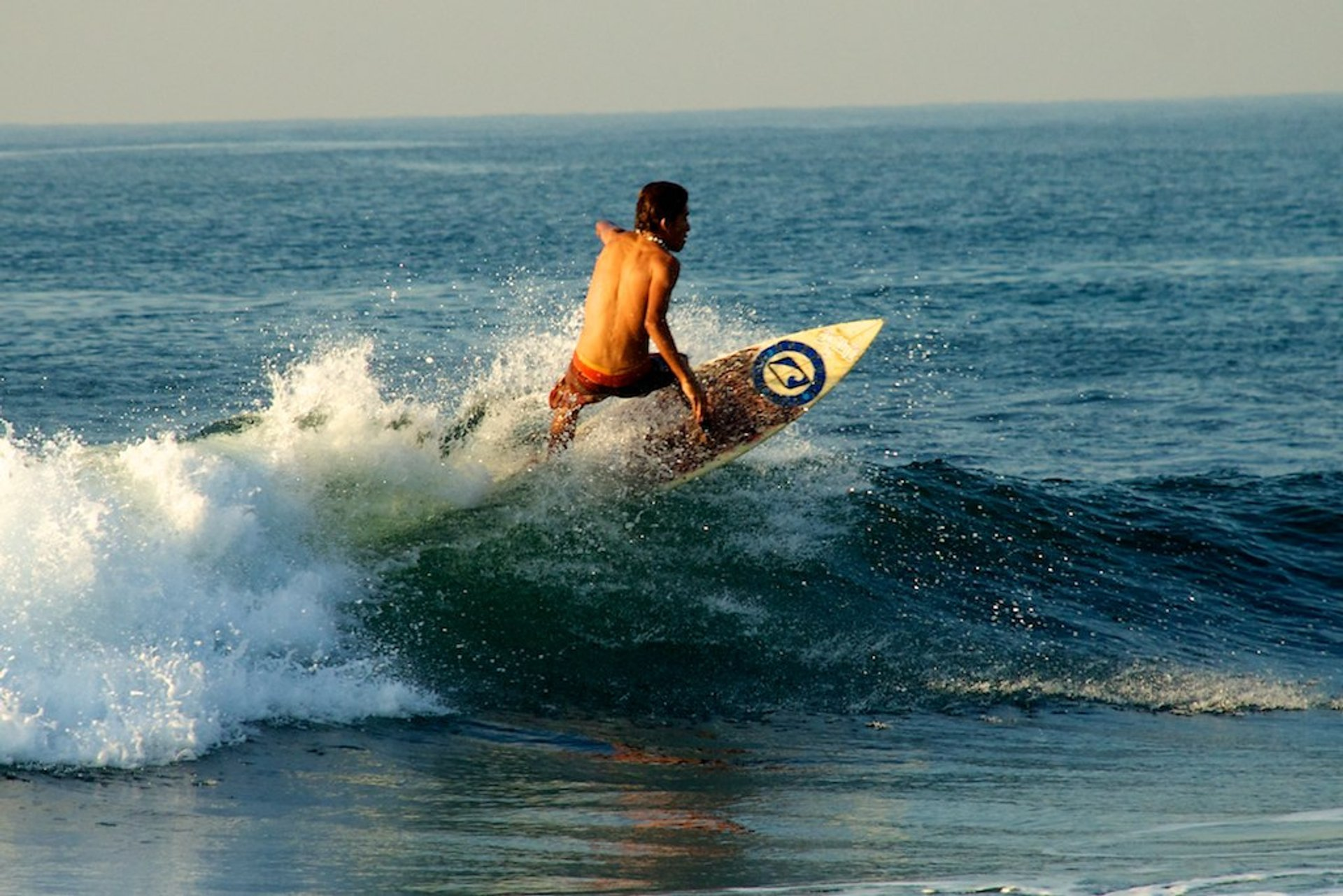 Surfing in Guatemala 2020 - Best Time