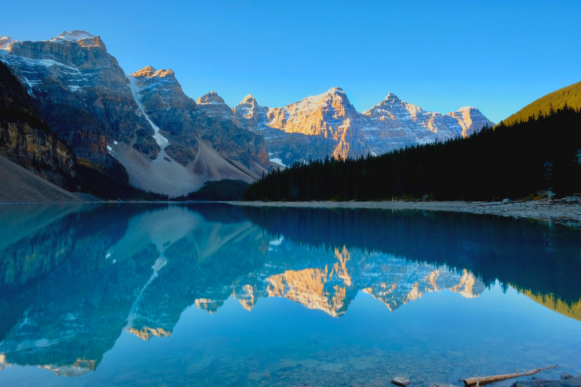 Moraine Lake in Banff & Jasper National Parks - Best Time