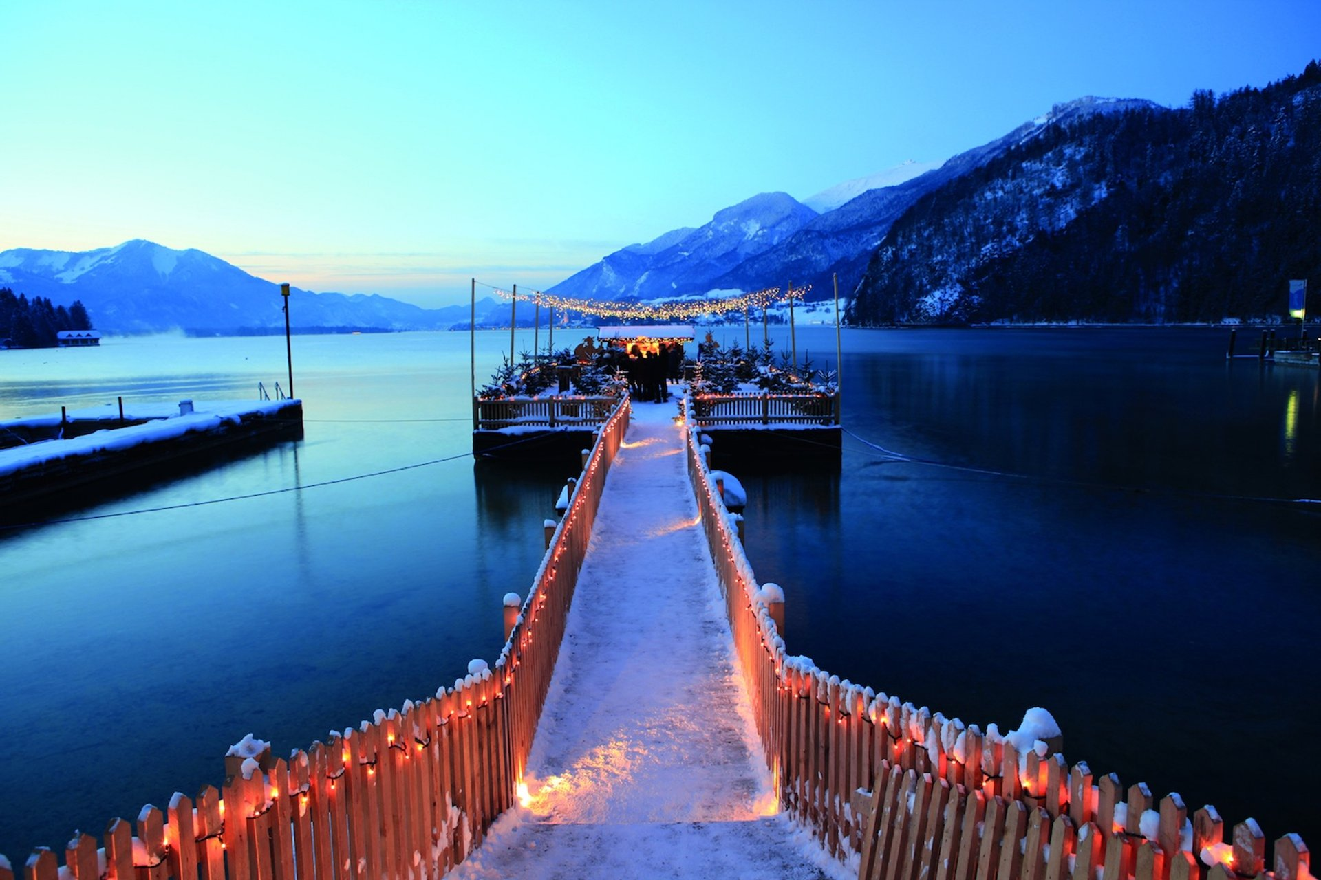 Christmas Markets at Lake Wolfgang in Austria - Best Season 2019