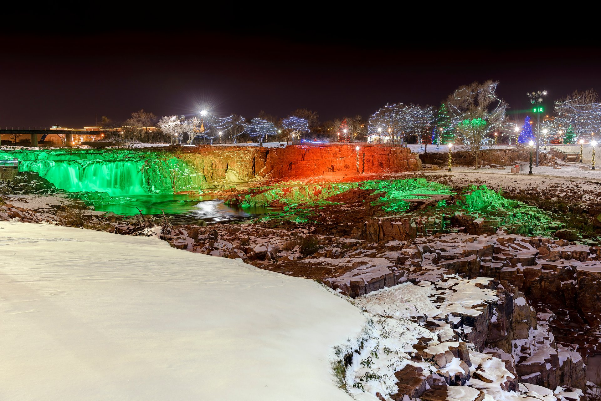 Best time for Winter Wonderland at Falls Park in South Dakota 2020